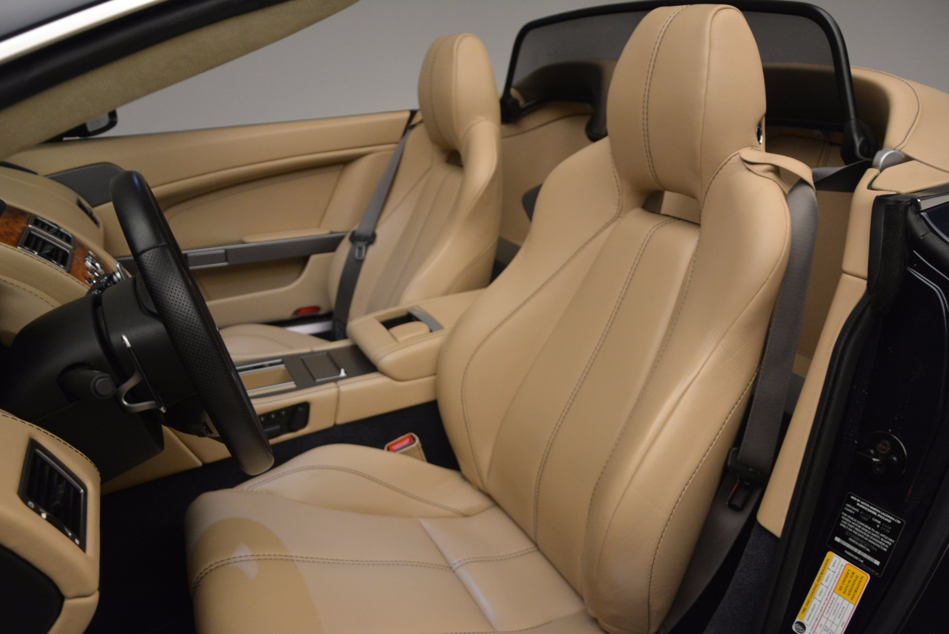 Used 2014 Aston Martin V8 Vantage Roadster For Sale In Greenwich, CT 1623_p23