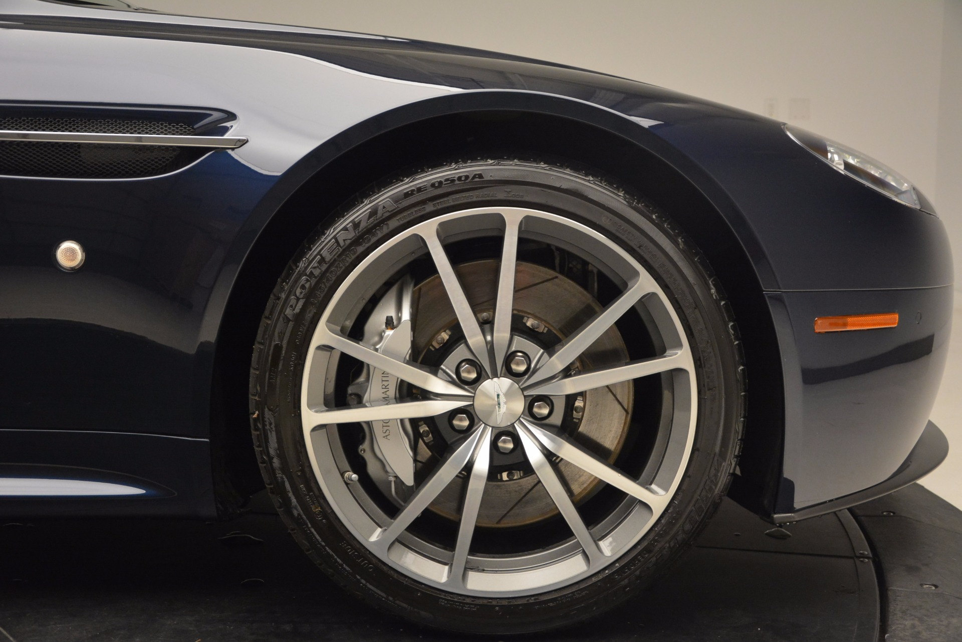 Used 2014 Aston Martin V8 Vantage Roadster For Sale In Greenwich, CT 1623_p25
