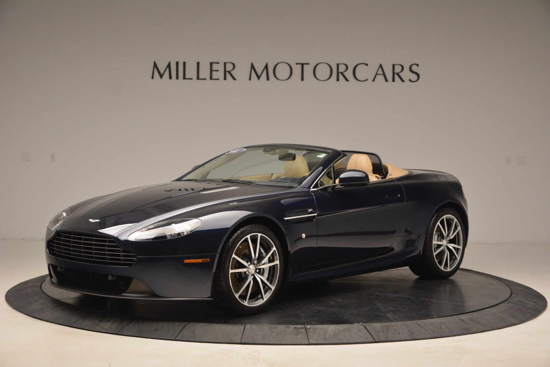 Used 2014 Aston Martin V8 Vantage Roadster For Sale In Greenwich, CT 1623_p2