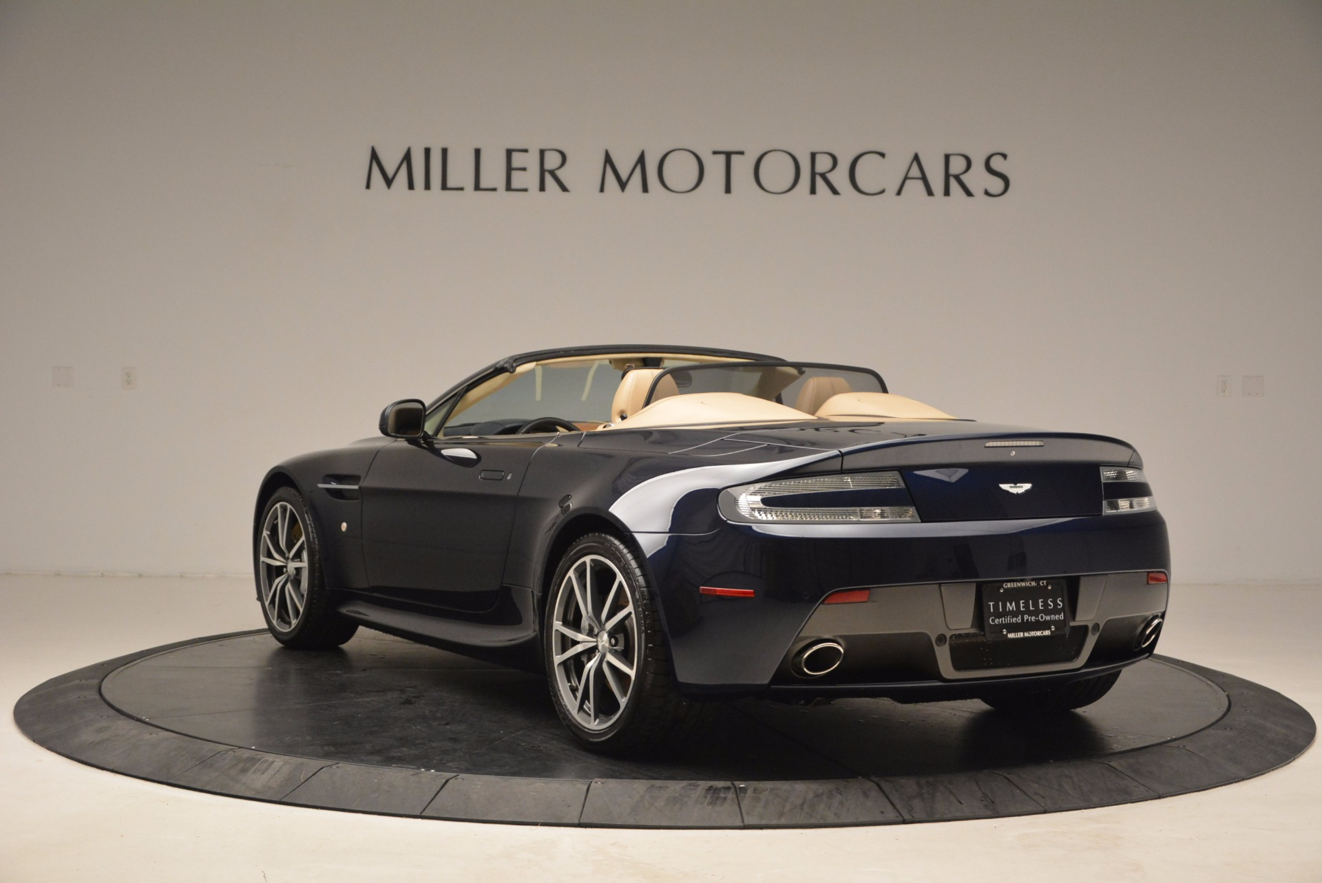 Used 2014 Aston Martin V8 Vantage Roadster For Sale In Greenwich, CT 1623_p5