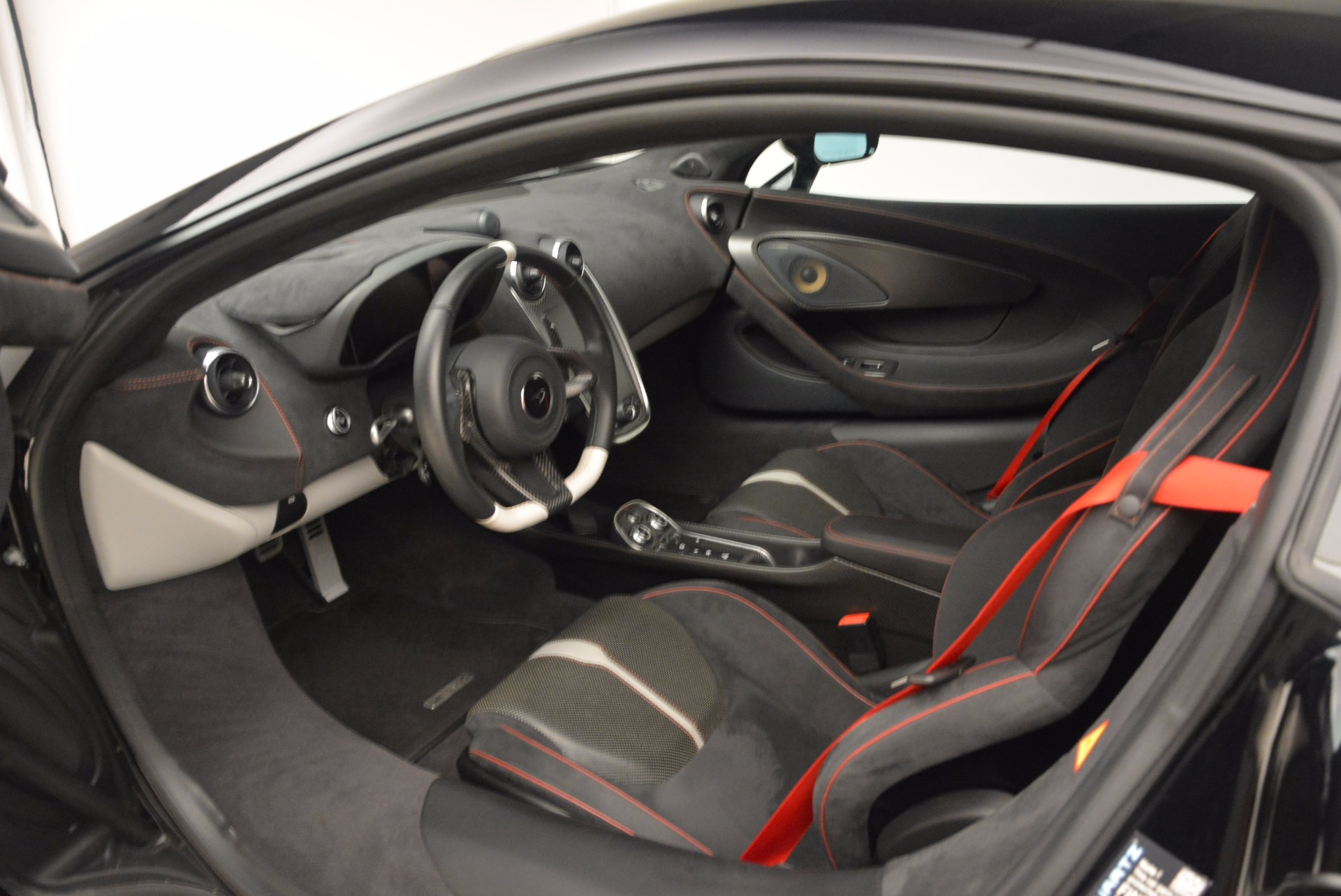 Used 2016 McLaren 570S  For Sale In Greenwich, CT 1645_p15