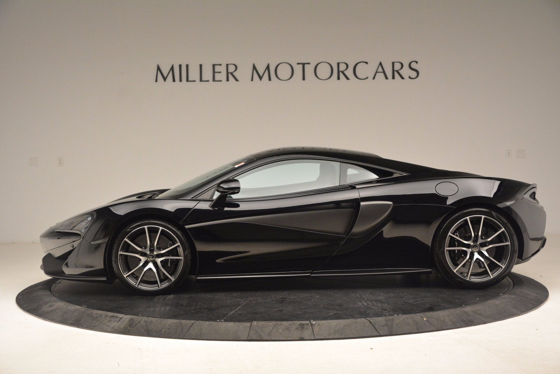 Used 2016 McLaren 570S  For Sale In Greenwich, CT 1645_p3