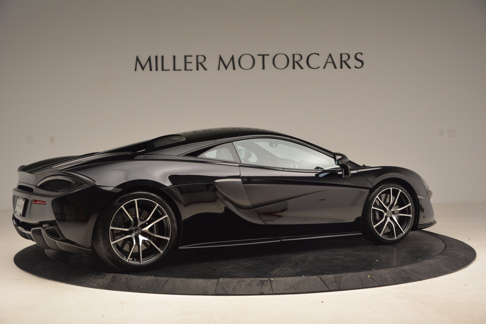Used 2016 McLaren 570S  For Sale In Greenwich, CT 1645_p8
