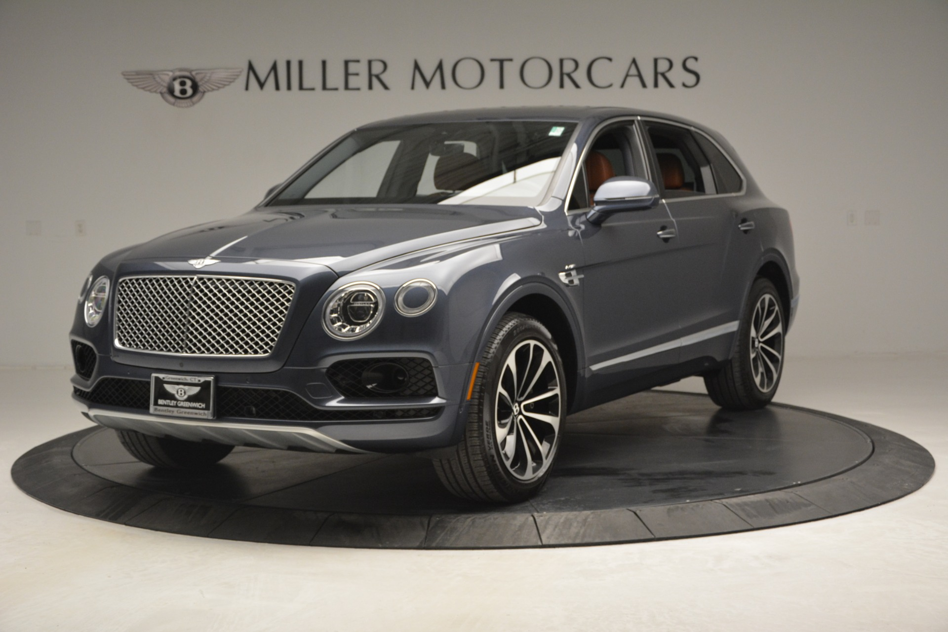 Used 2018 Bentley Bentayga Onyx For Sale In Greenwich, CT 1651_main