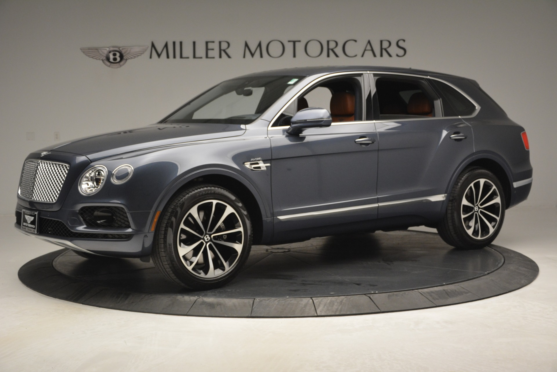 Used 2018 Bentley Bentayga Onyx For Sale In Greenwich, CT 1651_p2