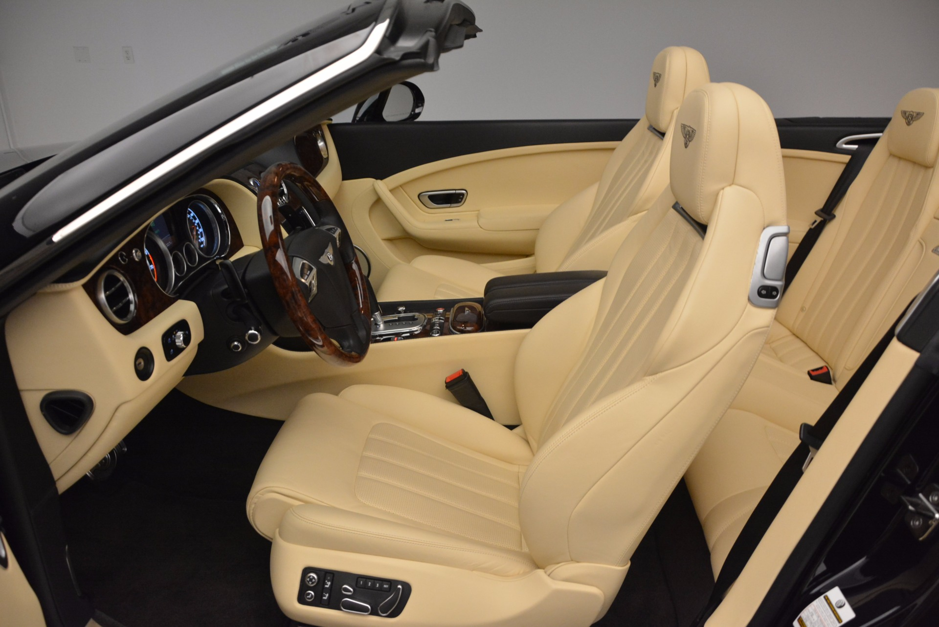 Used 2012 Bentley Continental GT W12 For Sale In Greenwich, CT 1656_p30