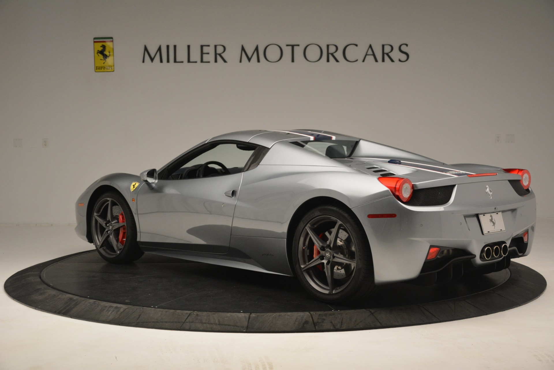 Used 2015 Ferrari 458 Spider  For Sale In Greenwich, CT 1667_p15