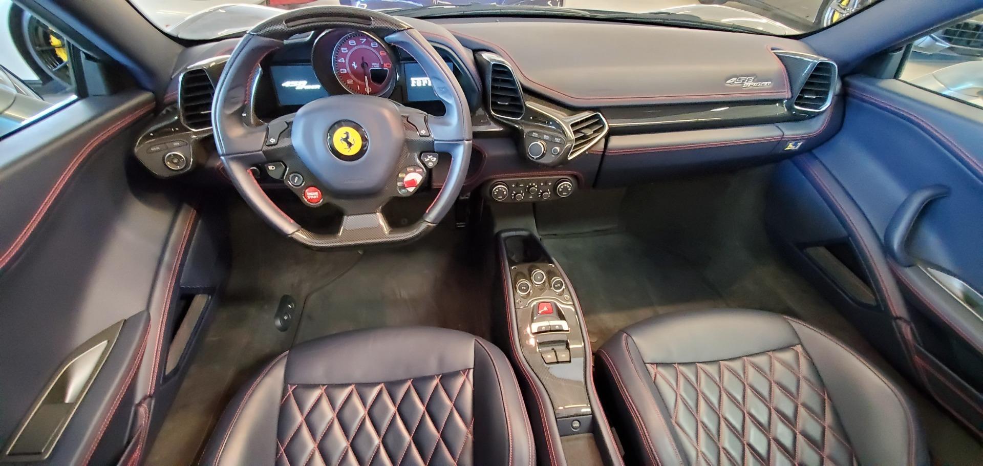 Used 2015 Ferrari 458 Spider  For Sale In Greenwich, CT 1667_p22