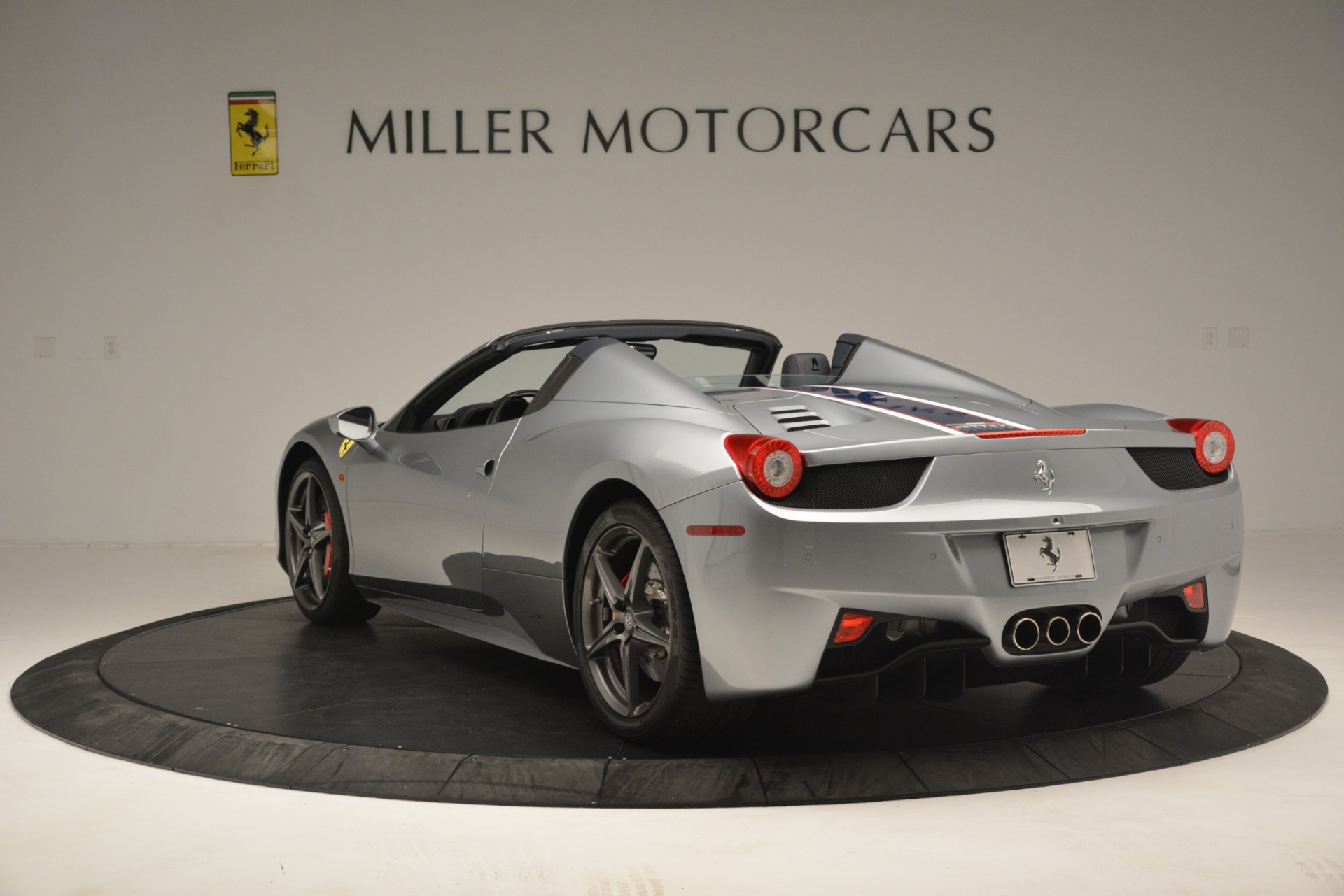 Used 2015 Ferrari 458 Spider  For Sale In Greenwich, CT 1667_p5