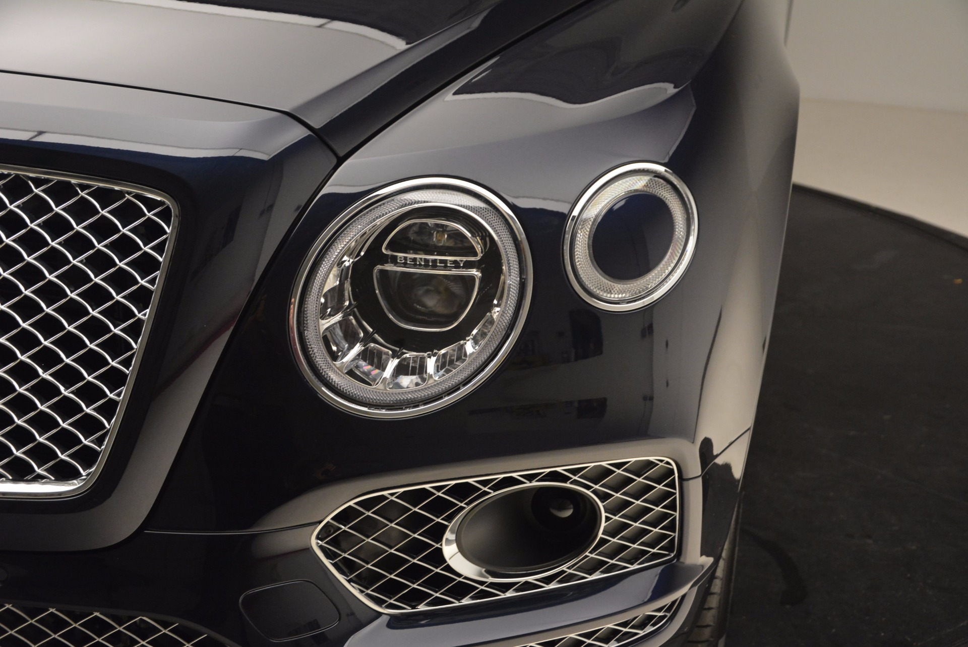 New 2018 Bentley Bentayga Signature For Sale In Greenwich, CT 1675_p15
