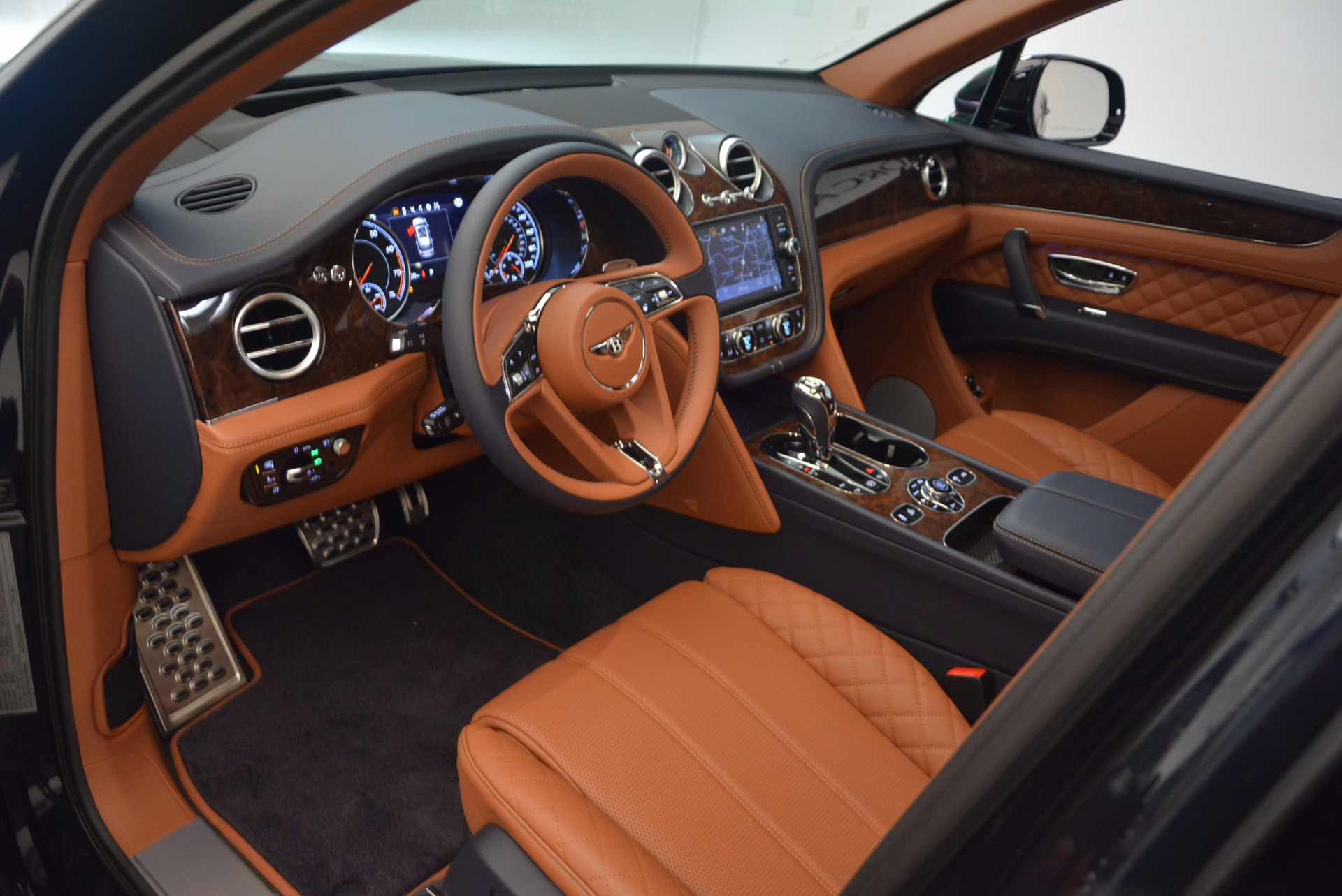New 2018 Bentley Bentayga Signature For Sale In Greenwich, CT 1675_p22