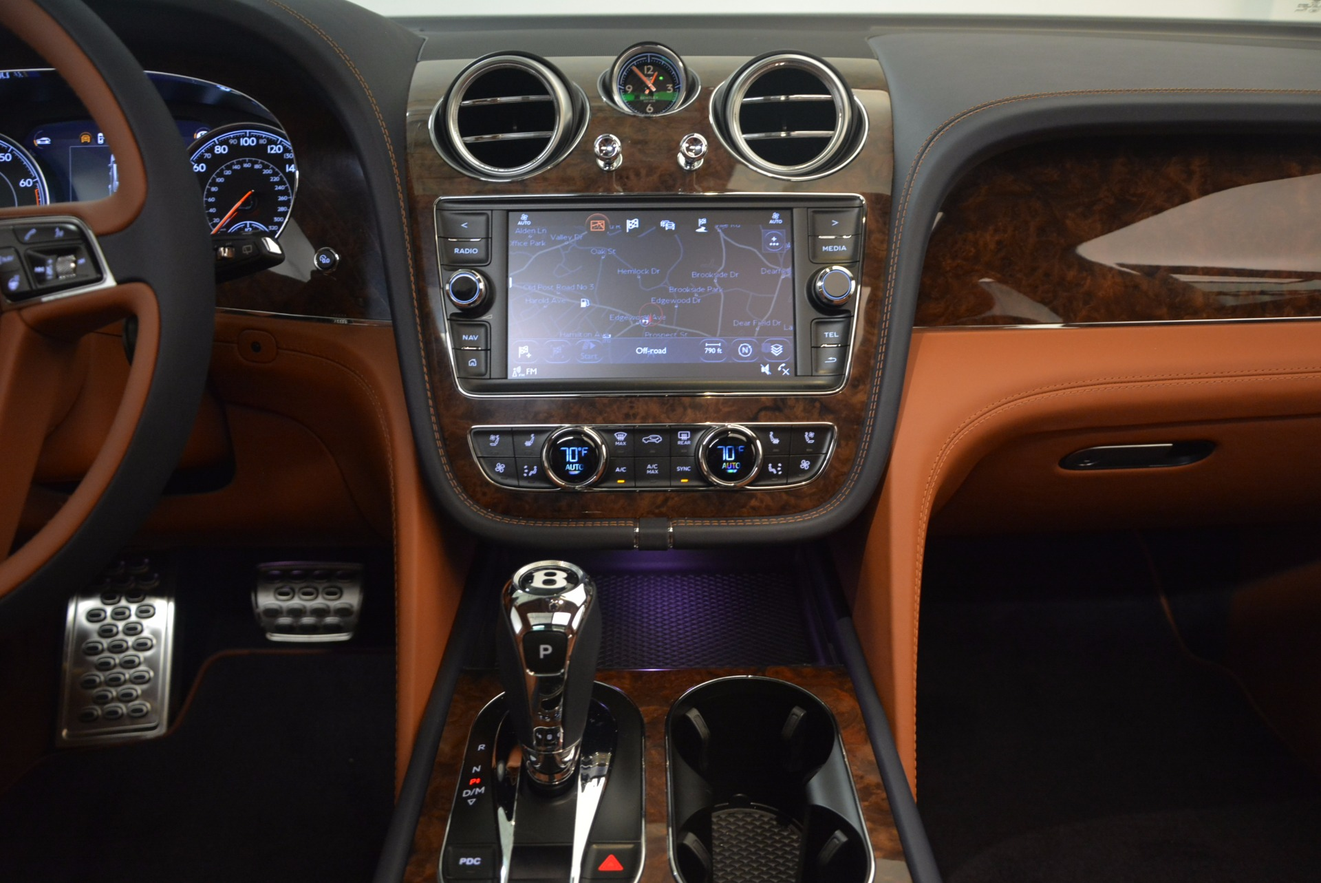 New 2018 Bentley Bentayga Signature For Sale In Greenwich, CT 1675_p27