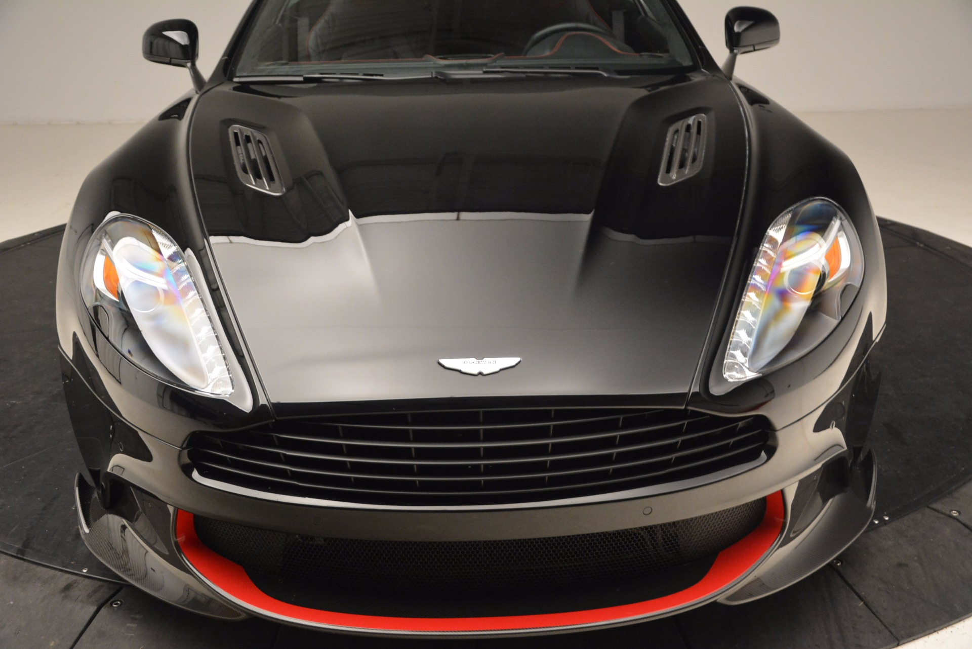 Used 2018 Aston Martin Vanquish S  For Sale In Greenwich, CT 1710_p19