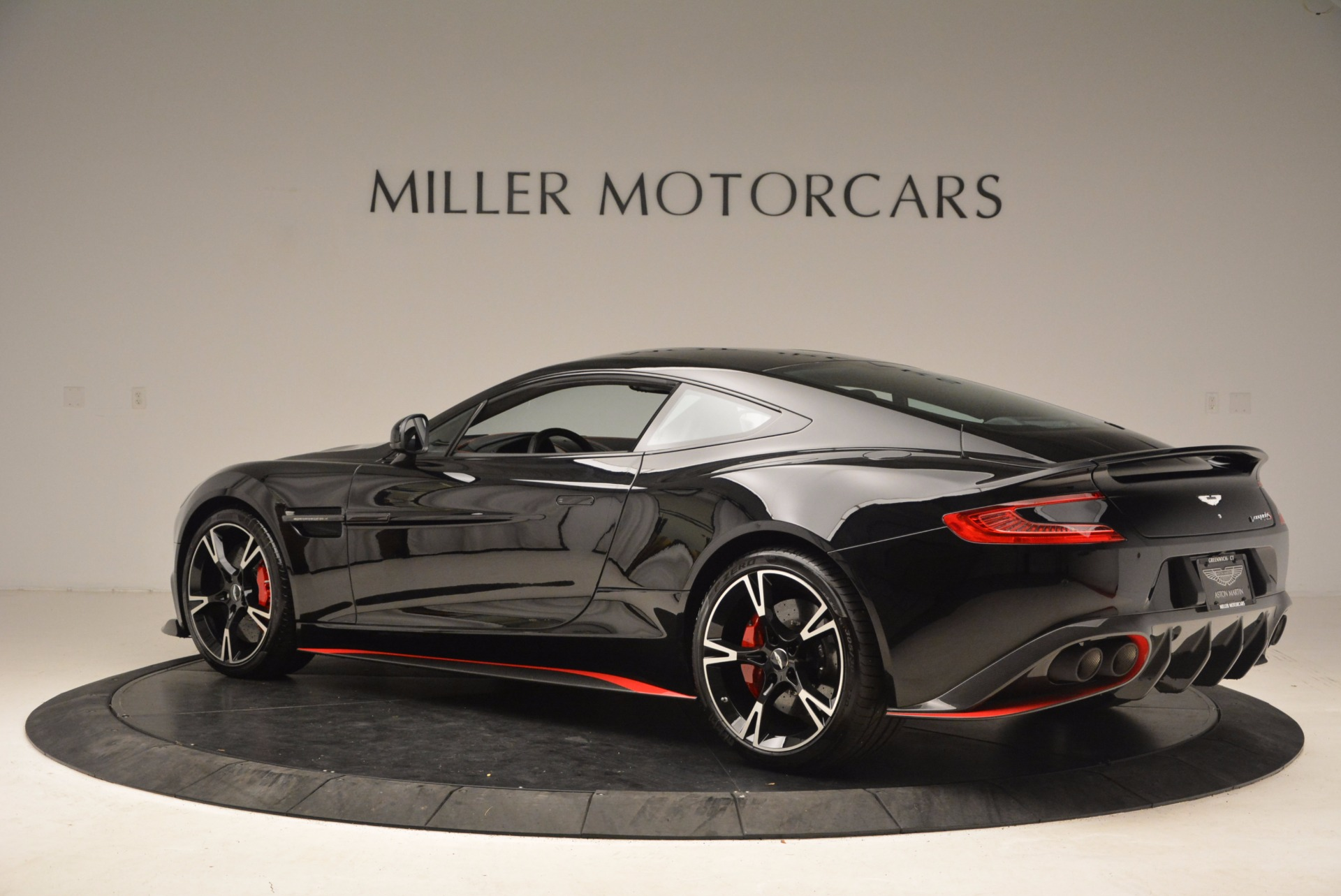 Used 2018 Aston Martin Vanquish S  For Sale In Greenwich, CT 1710_p4