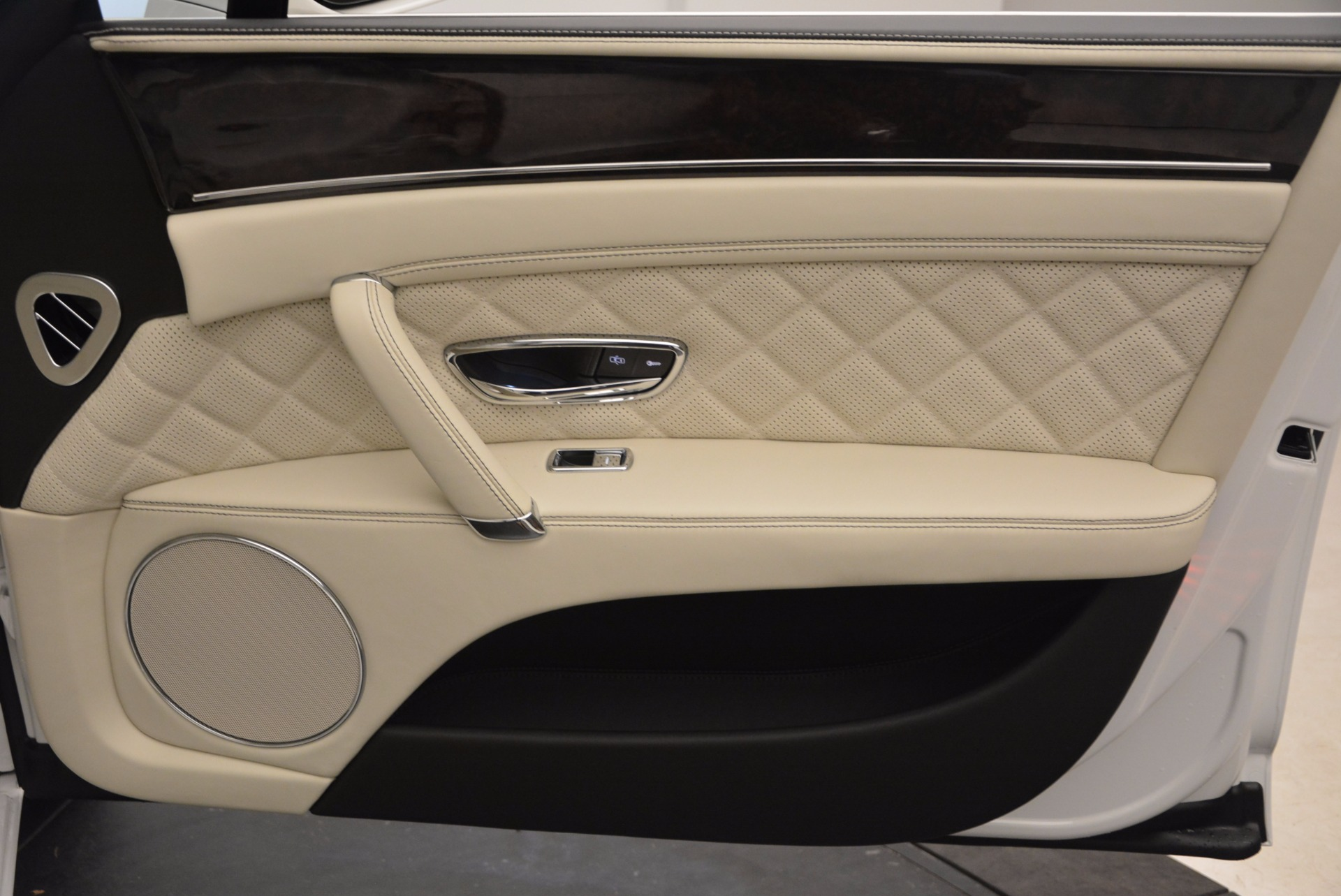 New 2017 Bentley Flying Spur W12 For Sale In Greenwich, CT 1712_p45