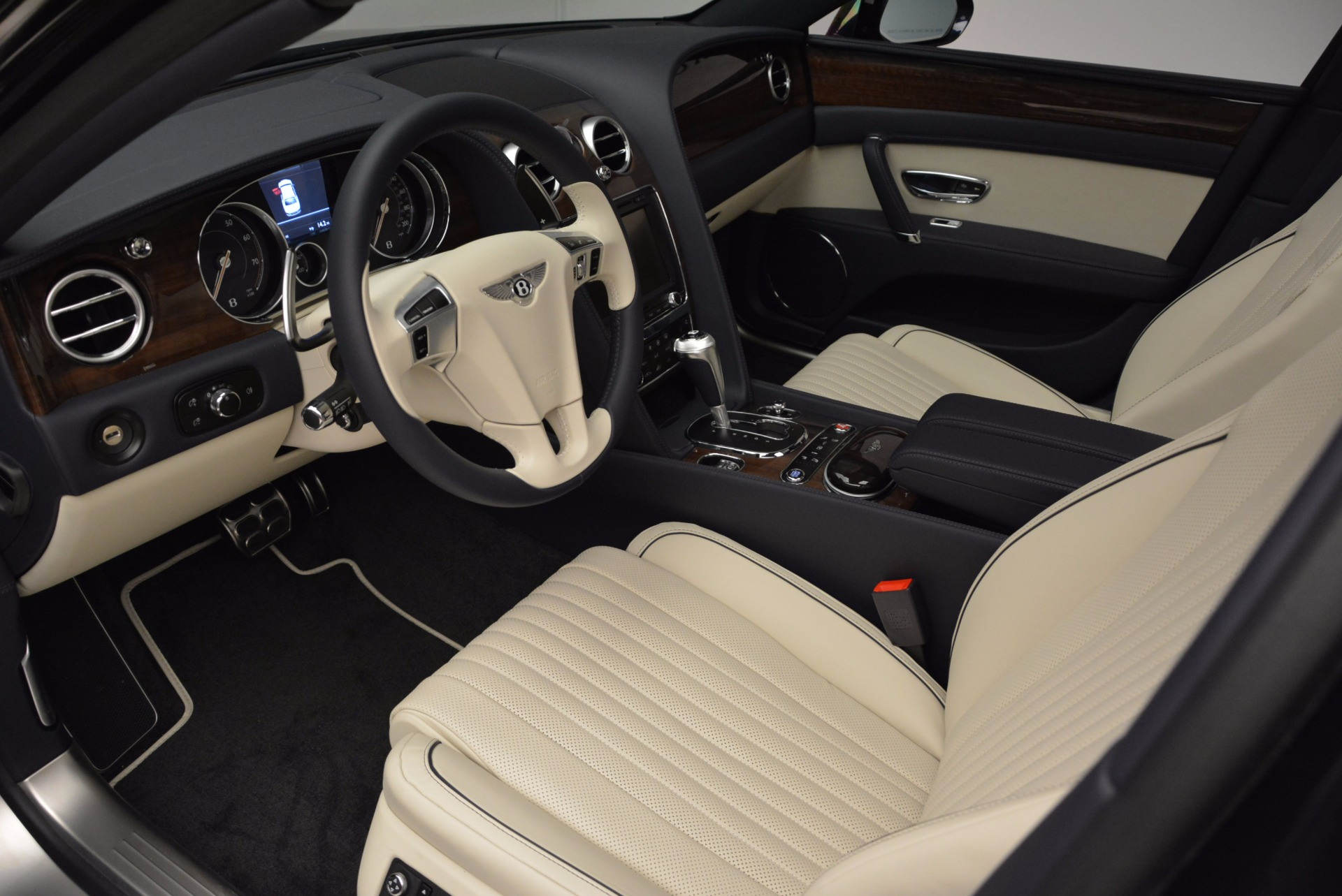New 2017 Bentley Flying Spur V8 For Sale In Greenwich, CT 1713_p17