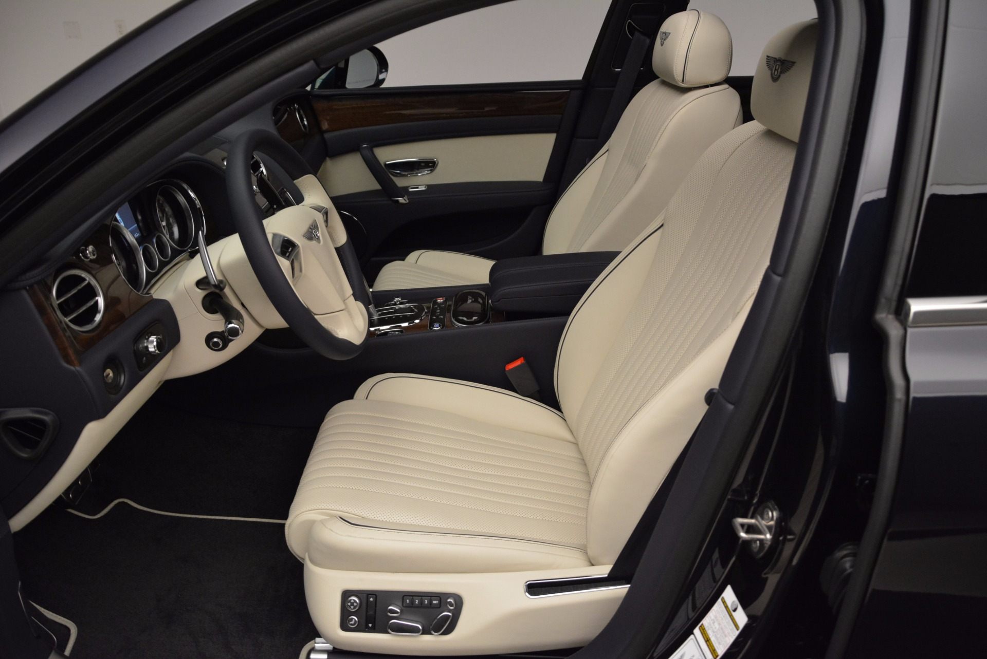 New 2017 Bentley Flying Spur V8 For Sale In Greenwich, CT 1713_p18