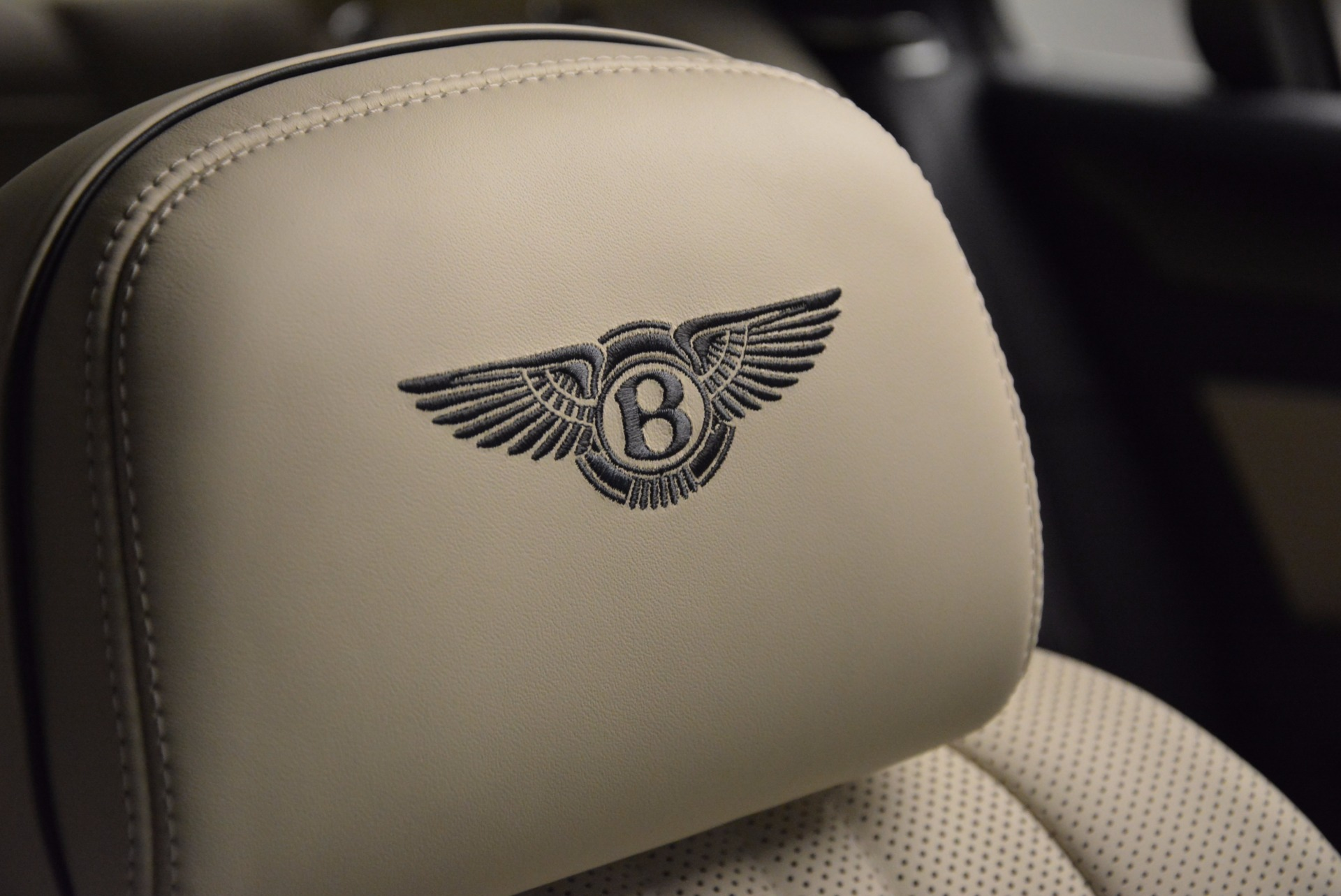 New 2017 Bentley Flying Spur V8 For Sale In Greenwich, CT 1713_p20