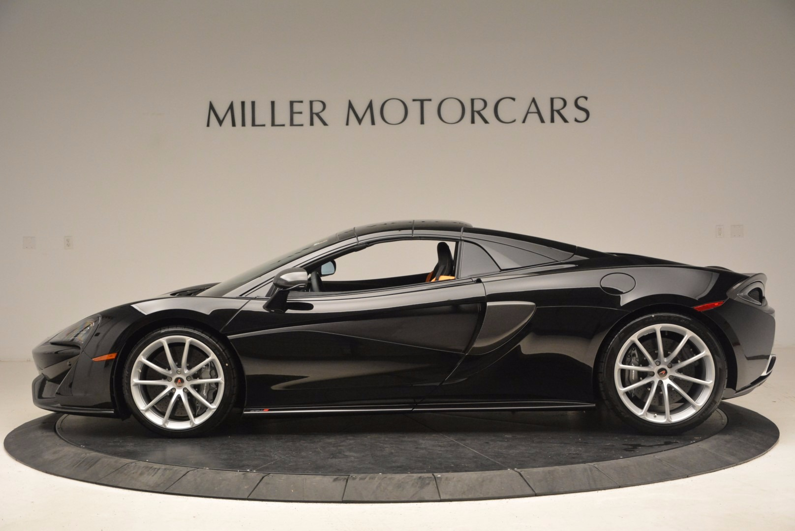 Used 2018 McLaren 570S Spider For Sale In Greenwich, CT 1716_p14