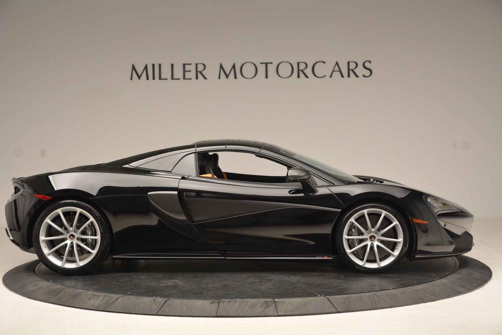 Used 2018 McLaren 570S Spider For Sale In Greenwich, CT 1716_p18