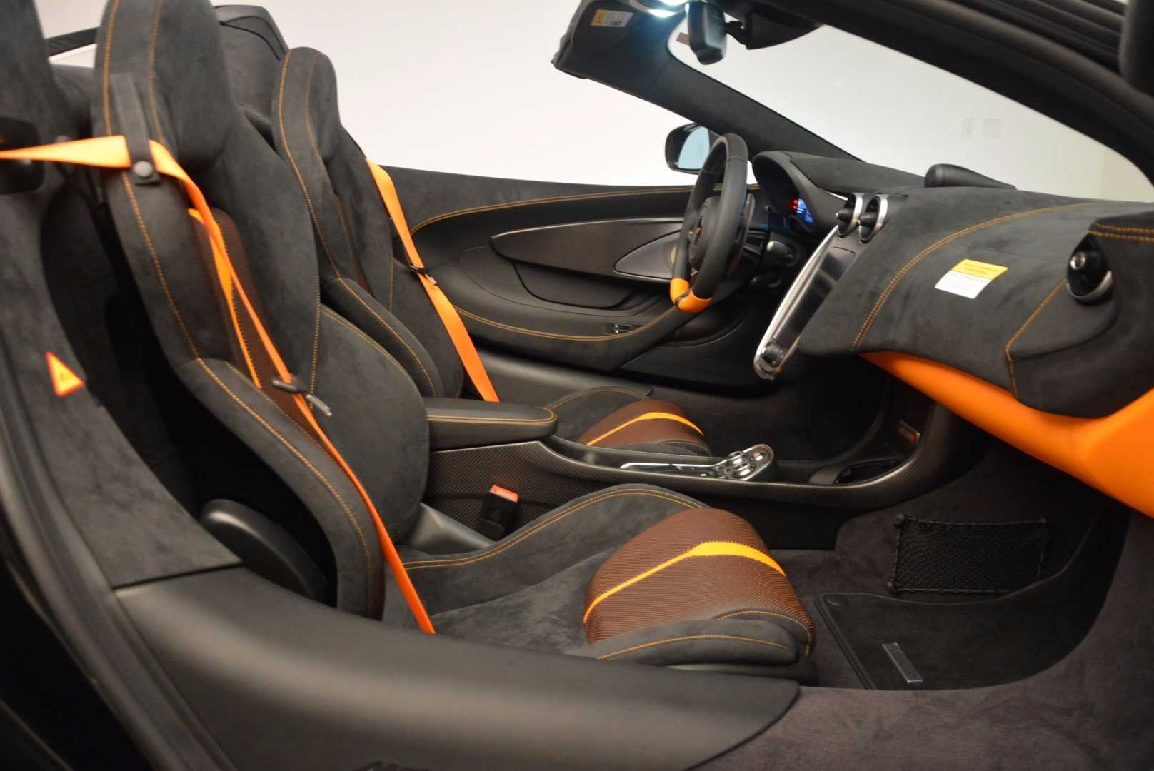 Used 2018 McLaren 570S Spider For Sale In Greenwich, CT 1716_p28