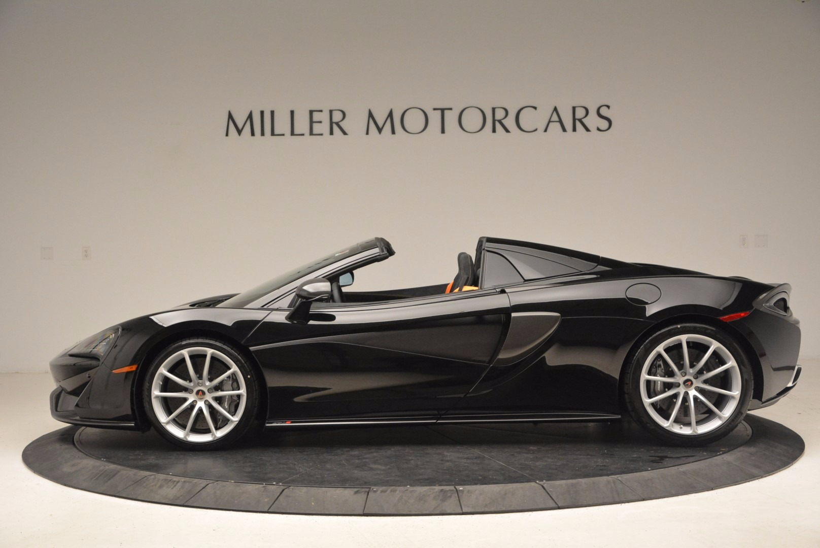 Used 2018 McLaren 570S Spider For Sale In Greenwich, CT 1716_p3