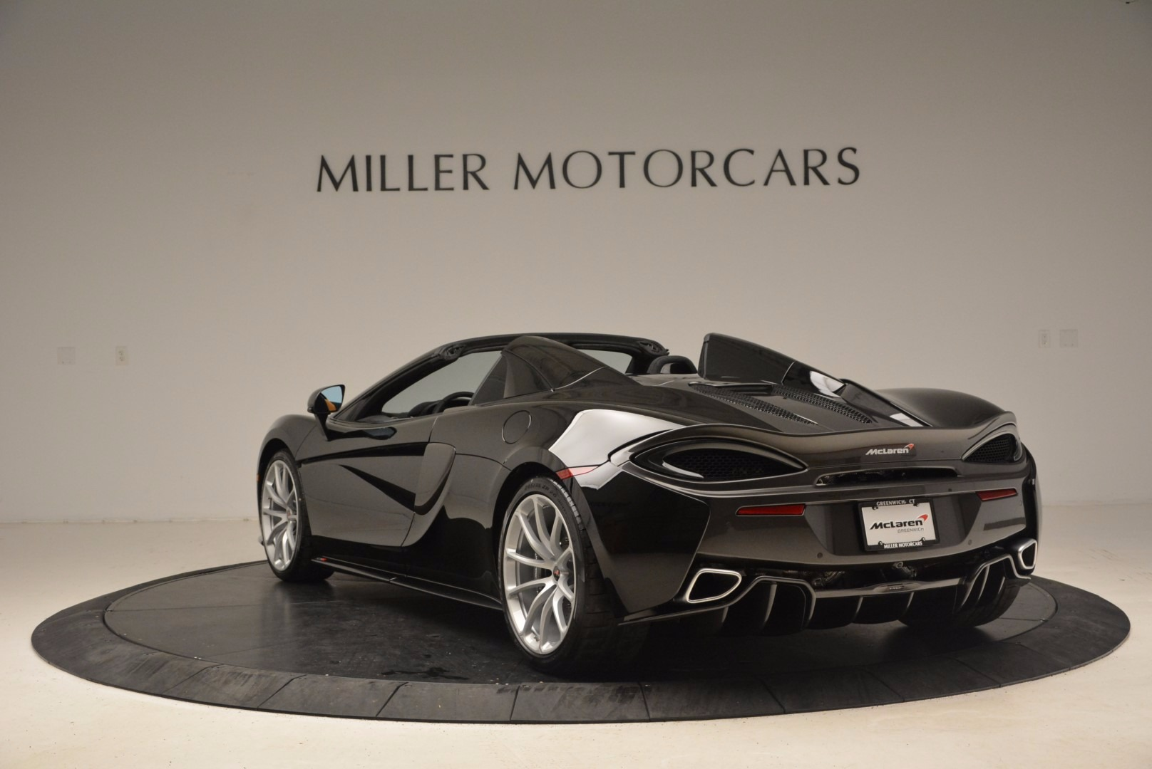 Used 2018 McLaren 570S Spider For Sale In Greenwich, CT 1716_p5