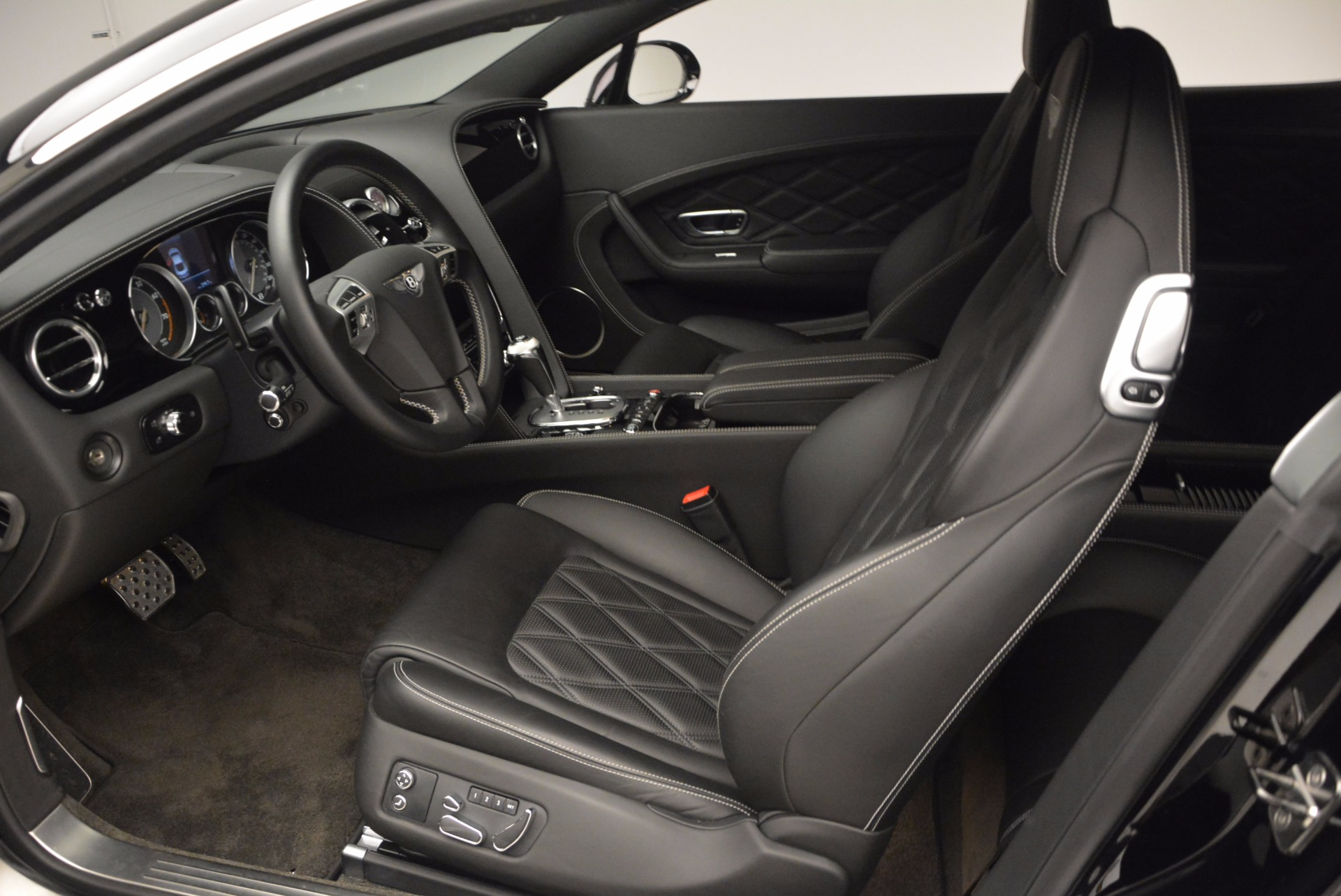 Used 2012 Bentley Continental GT W12 For Sale In Greenwich, CT 1717_p16