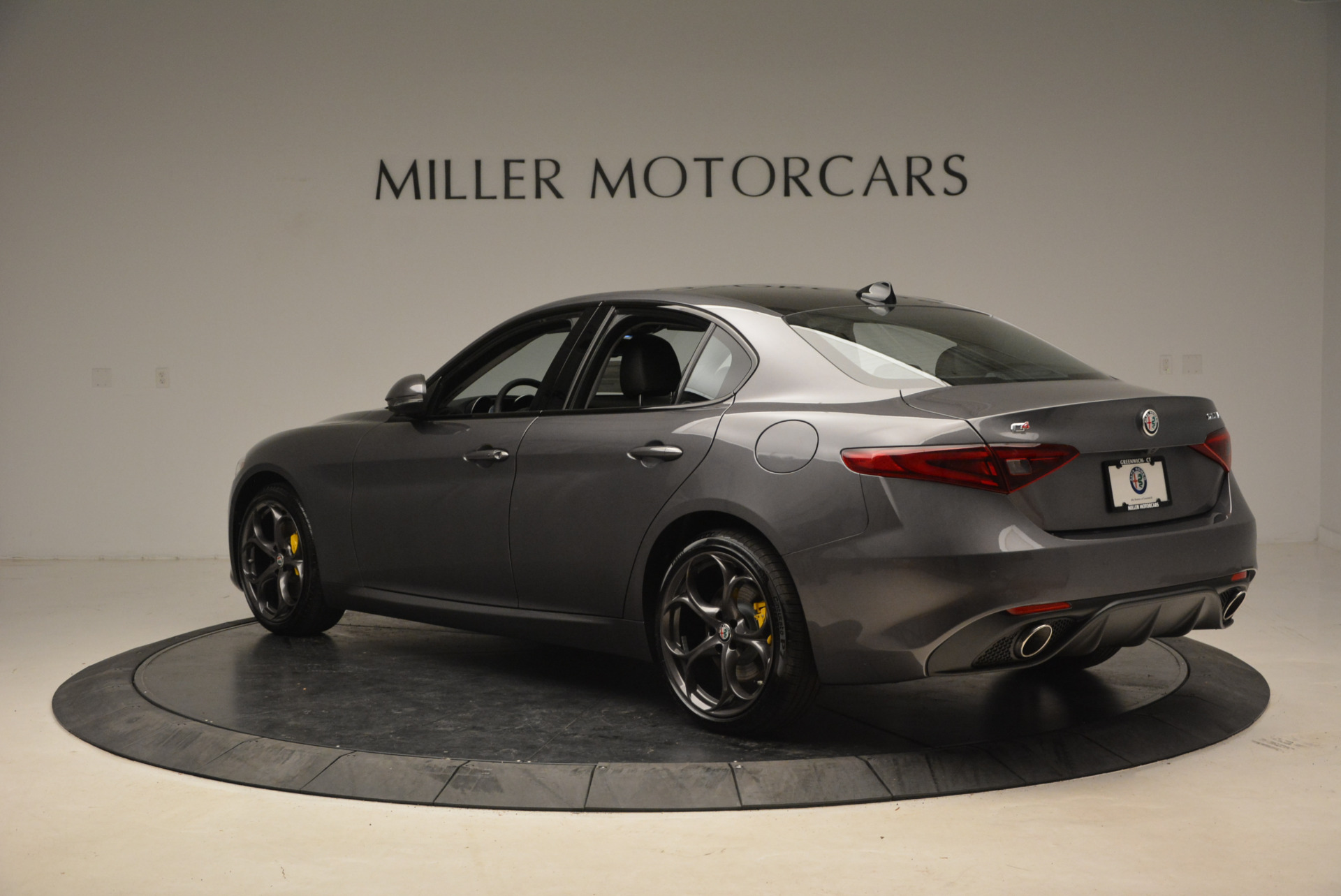 New 2018 Alfa Romeo Giulia Ti Sport Q4 For Sale In Greenwich, CT 1723_p4