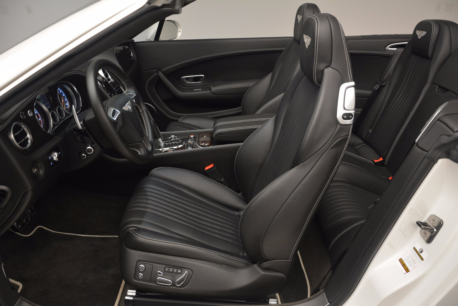 Used 2016 Bentley Continental GT V8 For Sale In Greenwich, CT 1728_p35