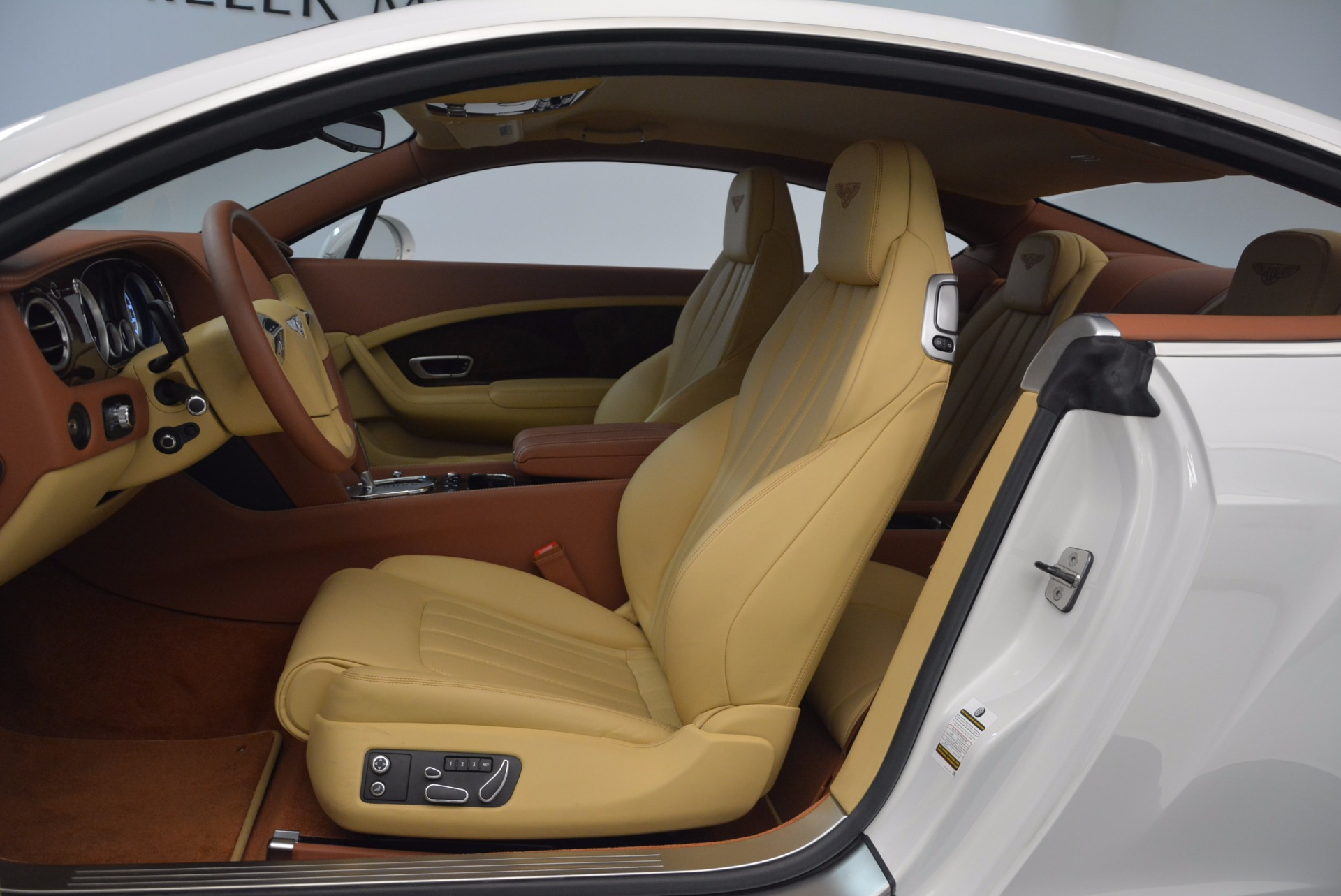 Used 2014 Bentley Continental GT V8 S For Sale In Greenwich, CT 1733_p24