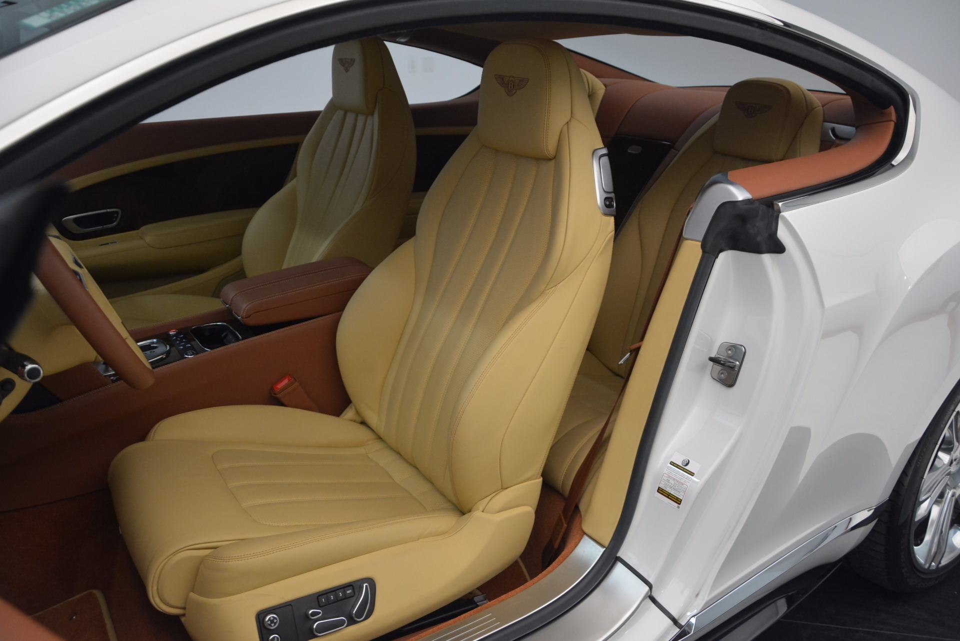 Used 2014 Bentley Continental GT V8 S For Sale In Greenwich, CT 1733_p25
