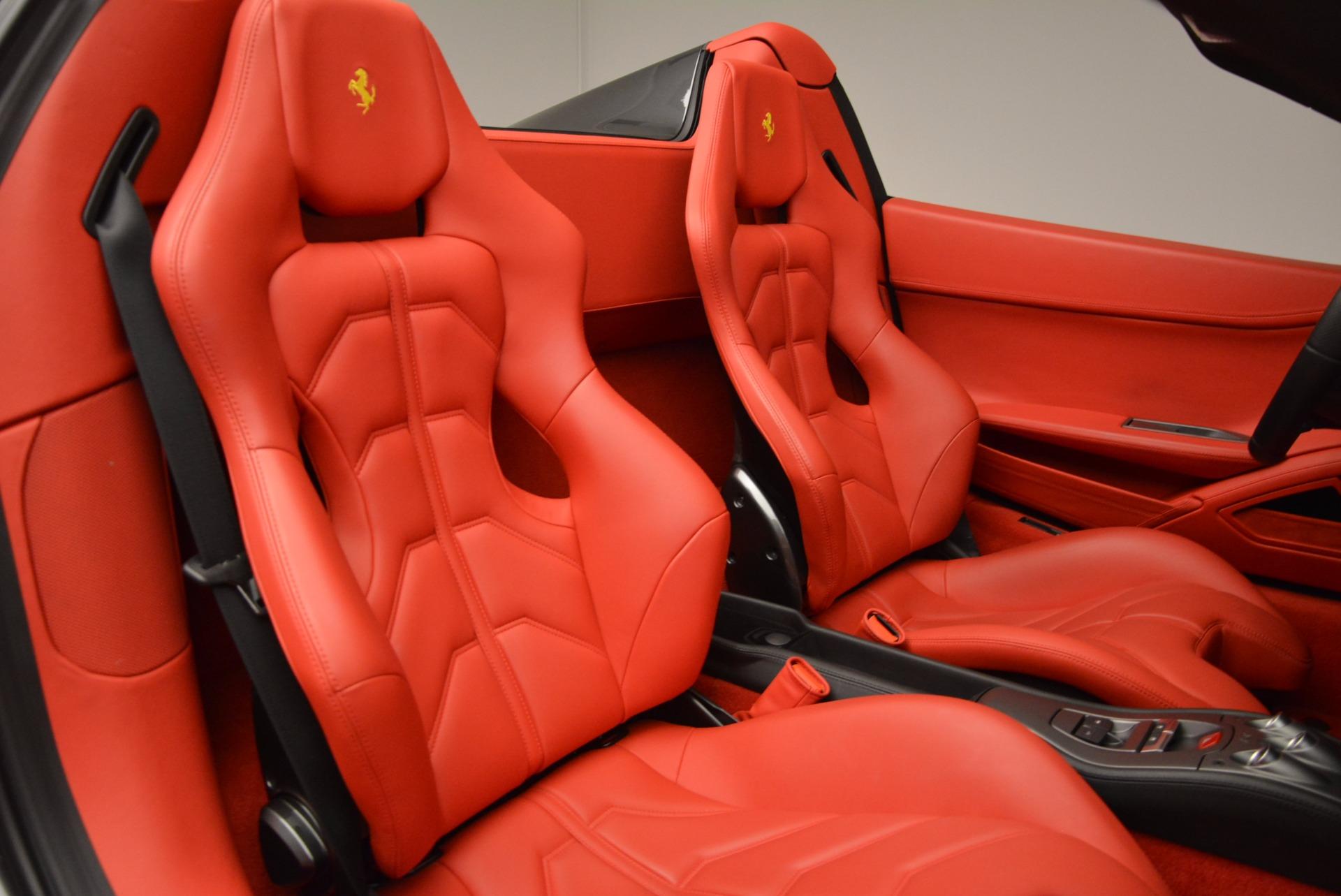 Used 2014 Ferrari 458 Spider  For Sale In Greenwich, CT 1734_p31