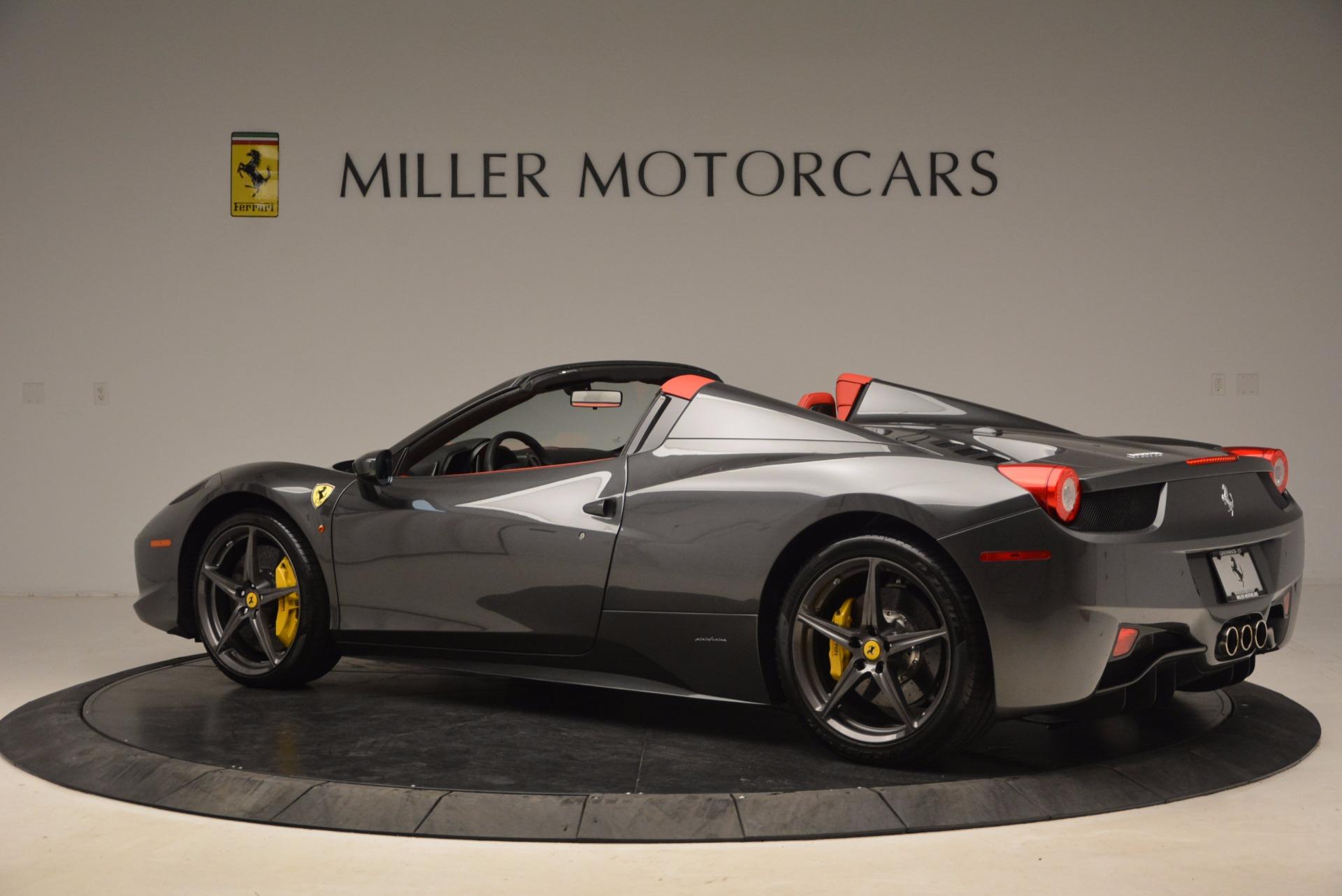 Used 2014 Ferrari 458 Spider  For Sale In Greenwich, CT 1734_p4
