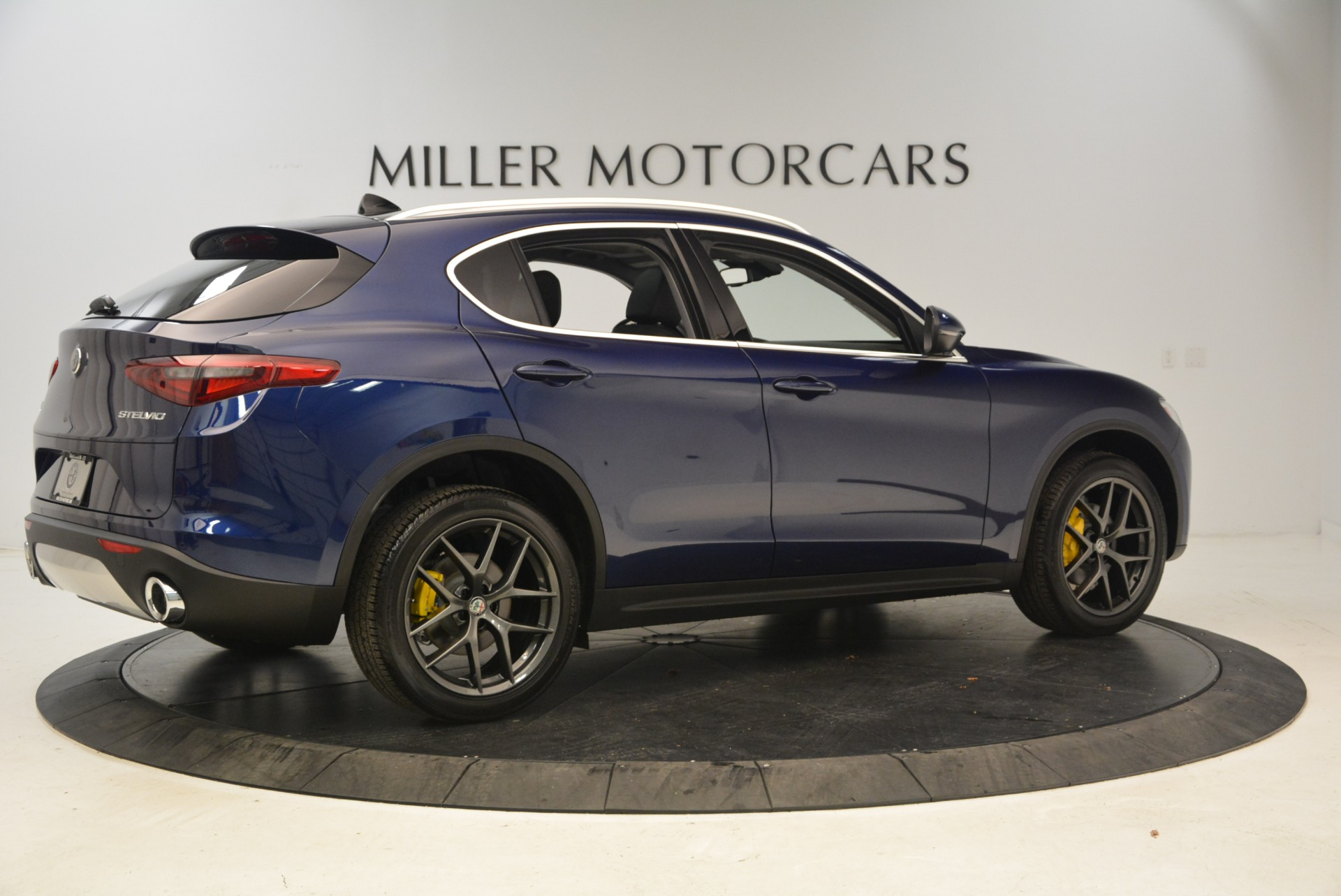 New 2018 Alfa Romeo Stelvio Sport Q4 For Sale In Greenwich, CT 1743_p8