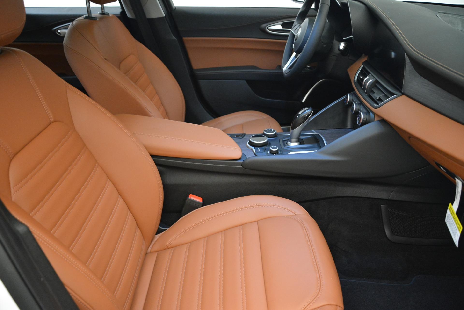 New 2018 Alfa Romeo Giulia Ti Lusso Q4 For Sale In Greenwich, CT 1747_p20