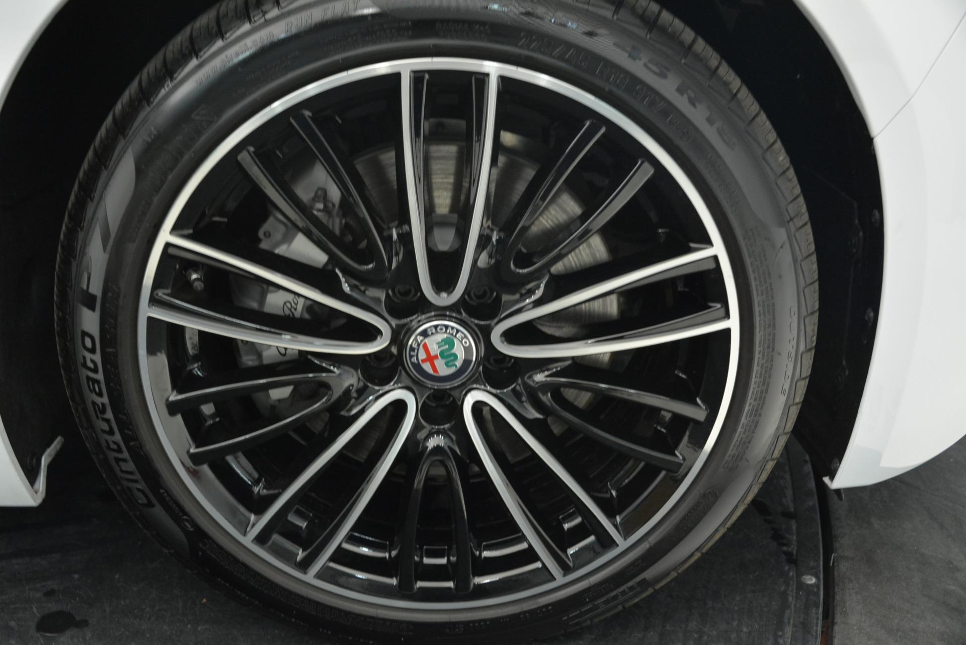 New 2018 Alfa Romeo Giulia Ti Lusso Q4 For Sale In Greenwich, CT 1747_p25