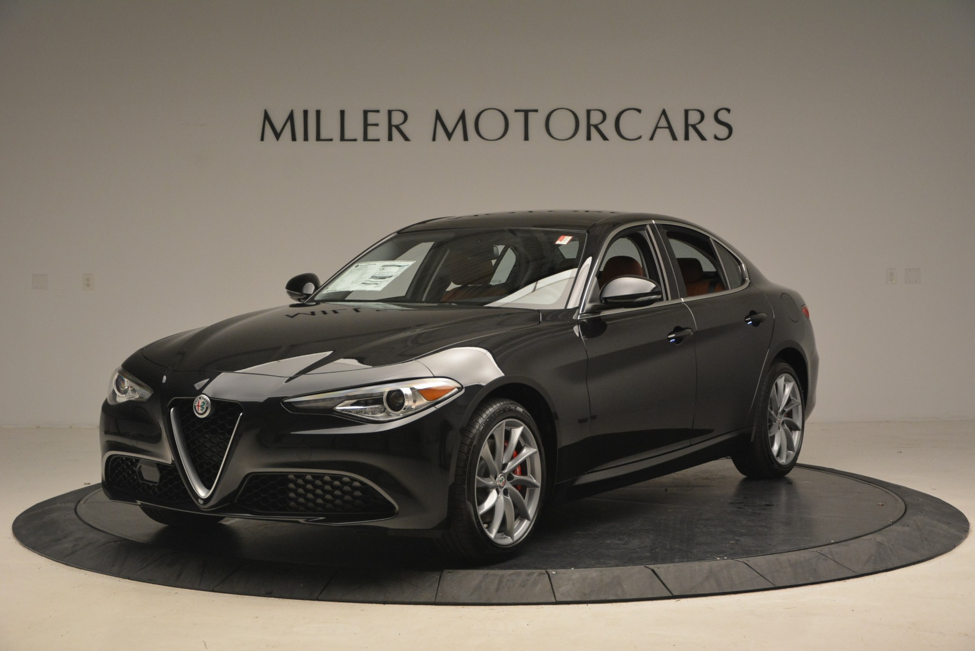 New 2018 Alfa Romeo Giulia Q4 For Sale In Greenwich, CT 1752_main
