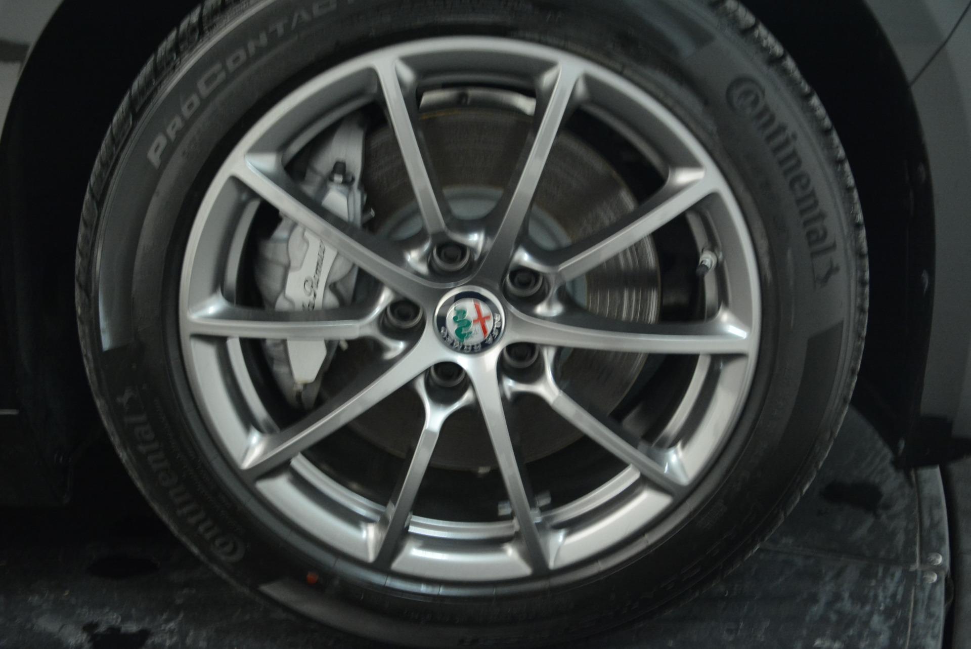 New 2018 Alfa Romeo Giulia Q4 For Sale In Greenwich, CT 1762_p25