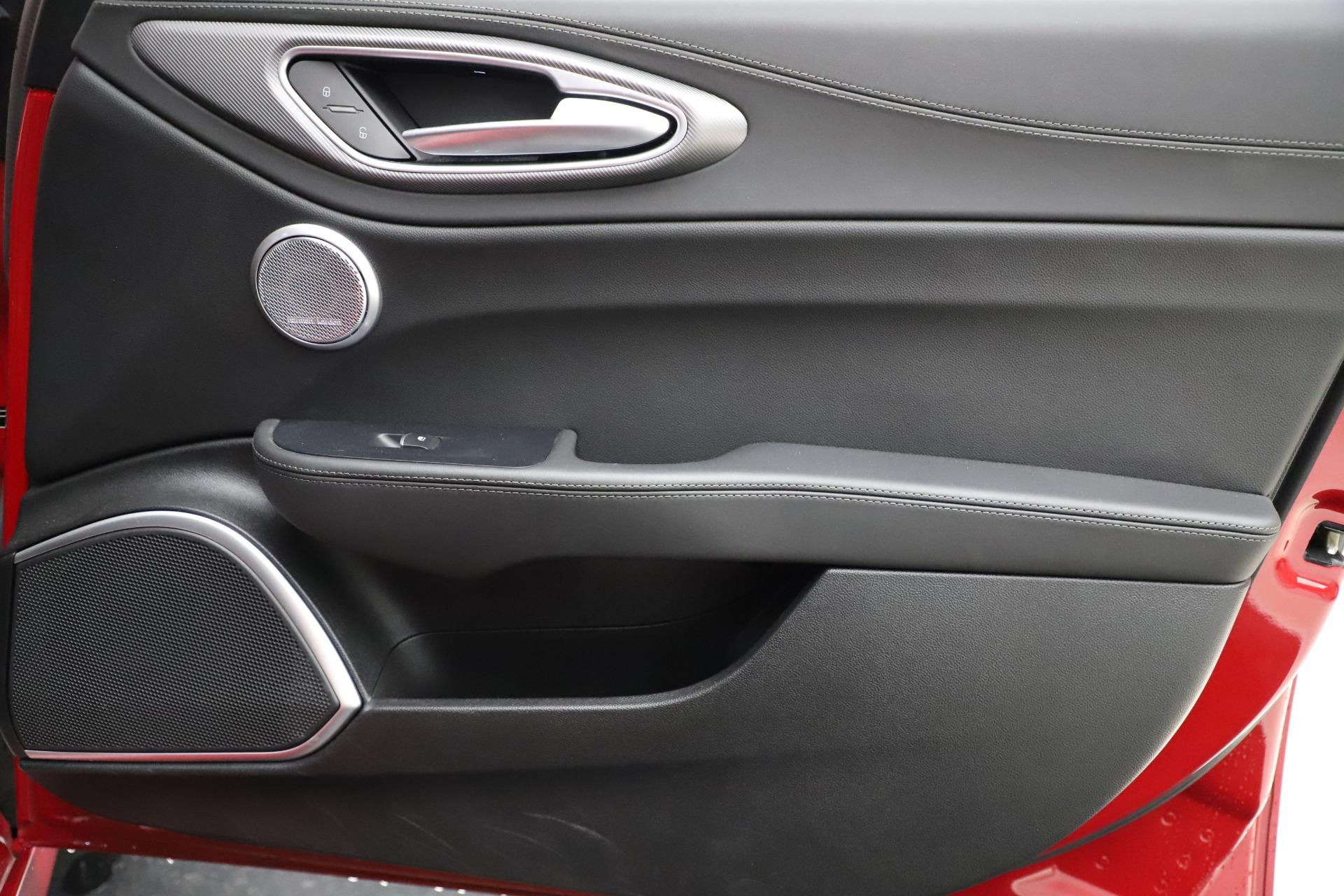 New 2018 Alfa Romeo Giulia Ti Sport Q4 For Sale In Greenwich, CT 1766_p25