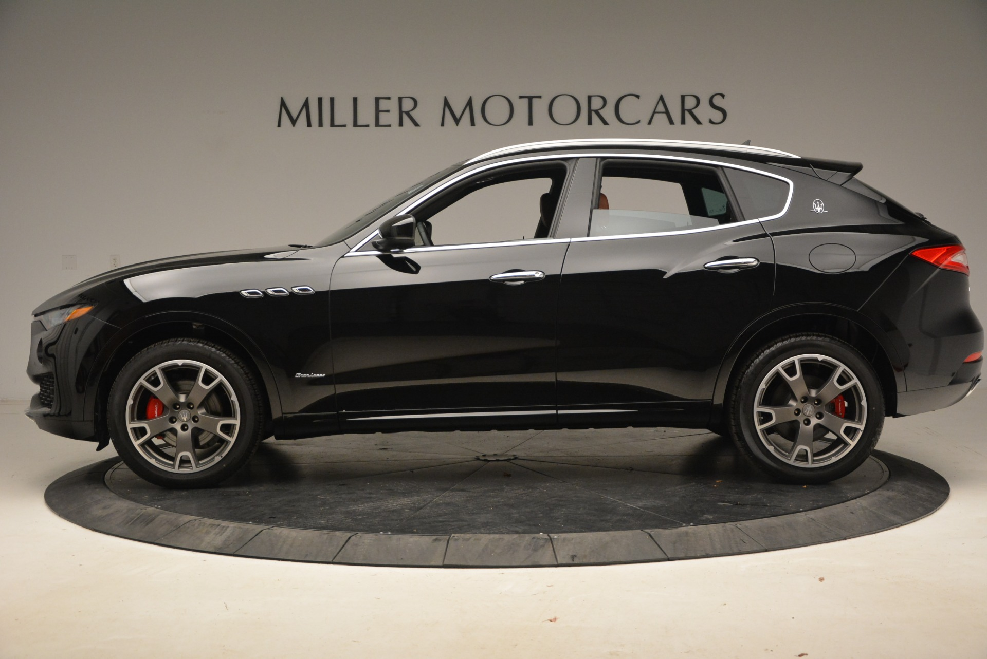 New 2018 Maserati Levante Q4 GranLusso For Sale In Greenwich, CT 1770_p3