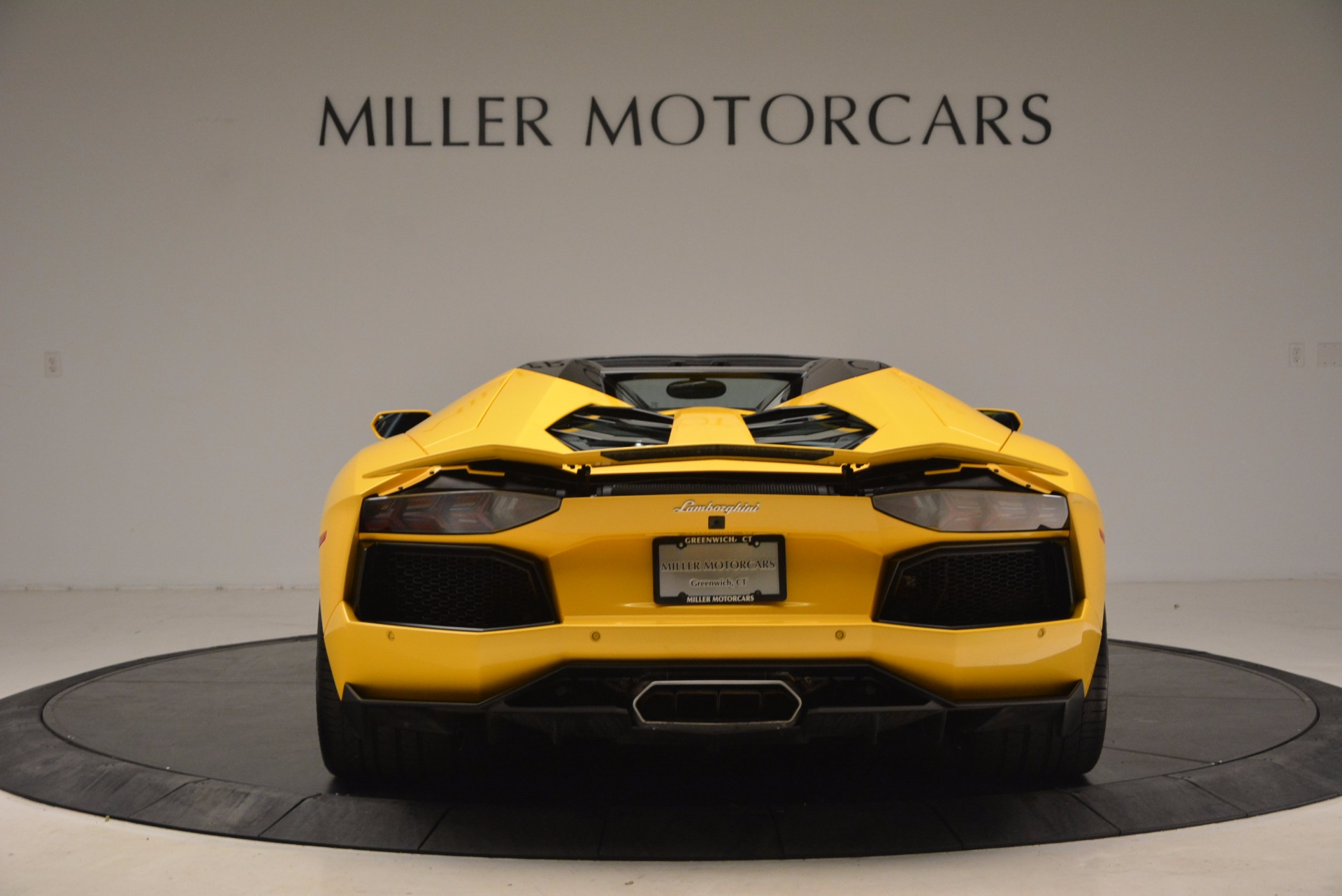 Used 2015 Lamborghini Aventador LP 700-4 Roadster For Sale In Greenwich, CT 1774_p6