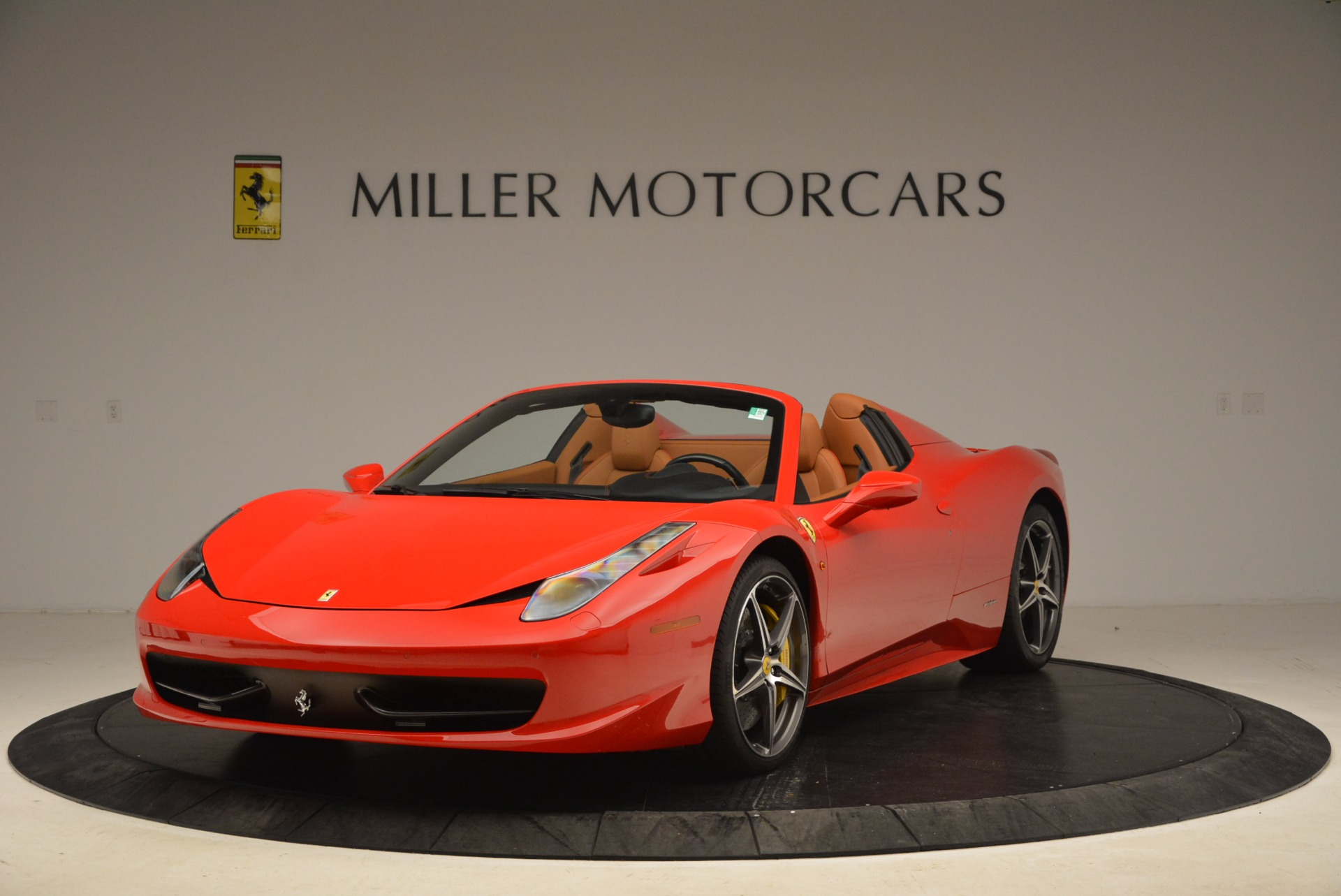 Used 2013 Ferrari 458 Spider  For Sale In Greenwich, CT 1784_main