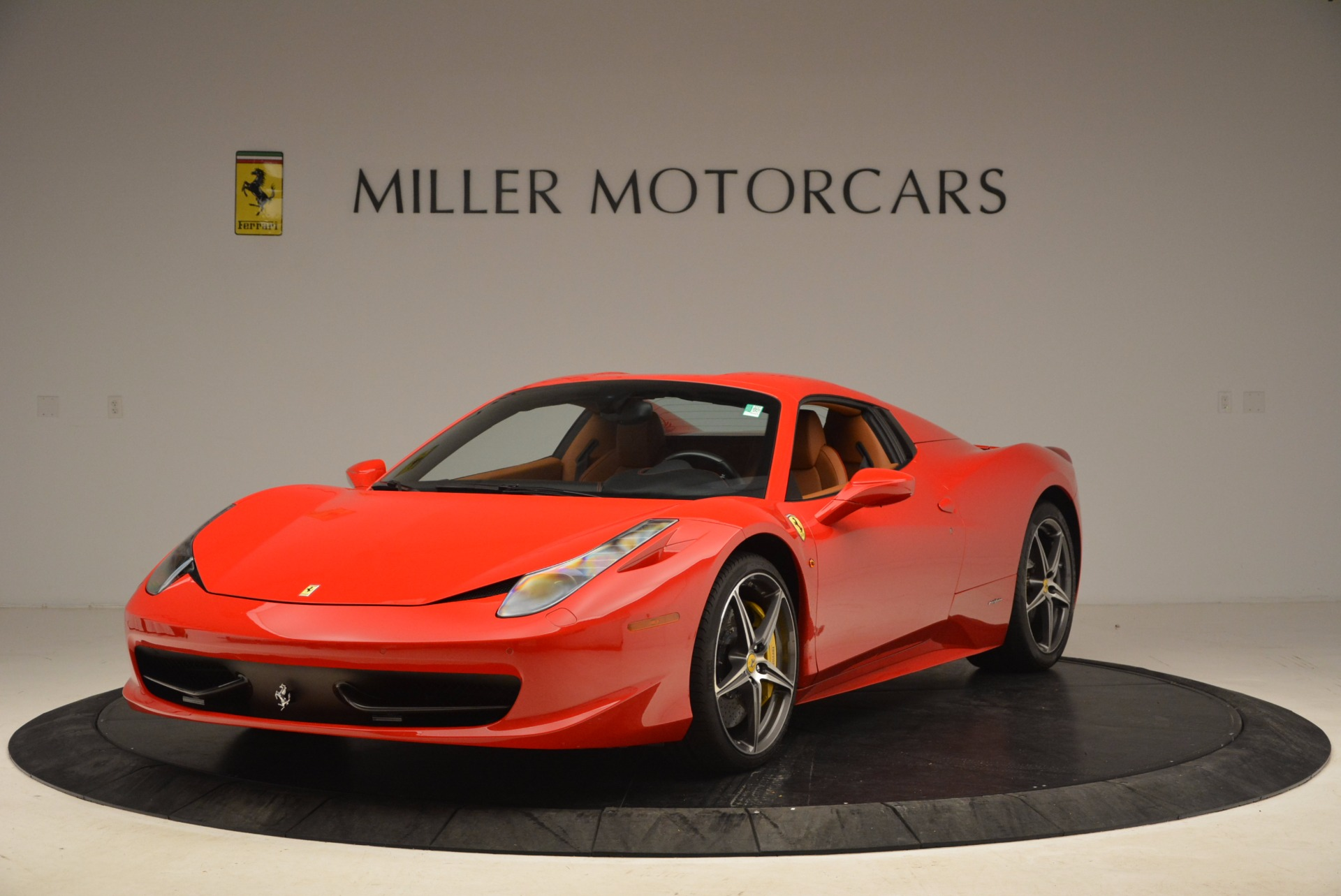 Used 2013 Ferrari 458 Spider  For Sale In Greenwich, CT 1784_p13
