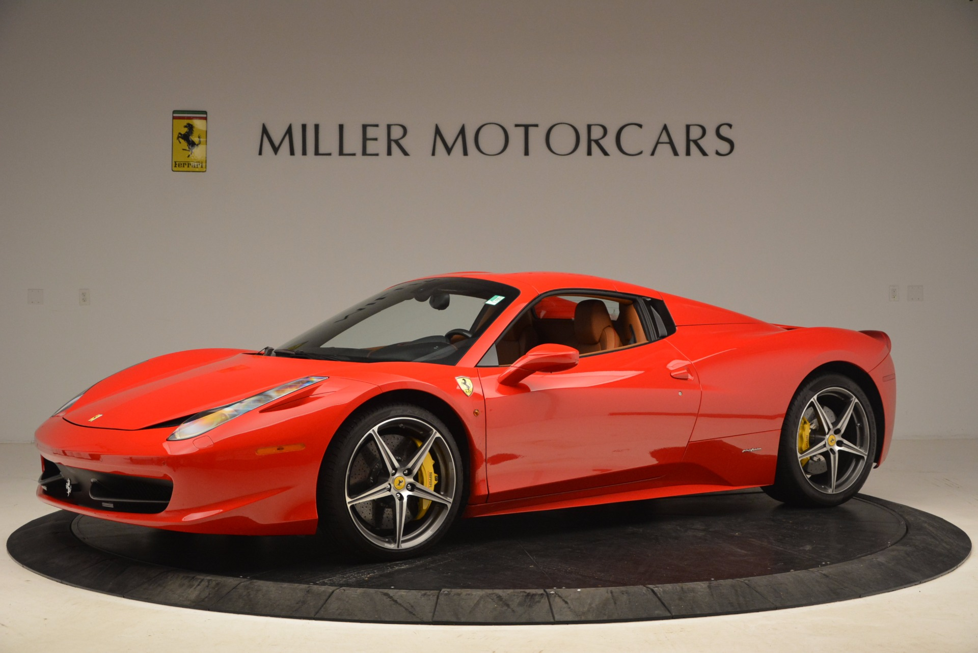 Used 2013 Ferrari 458 Spider  For Sale In Greenwich, CT 1784_p14