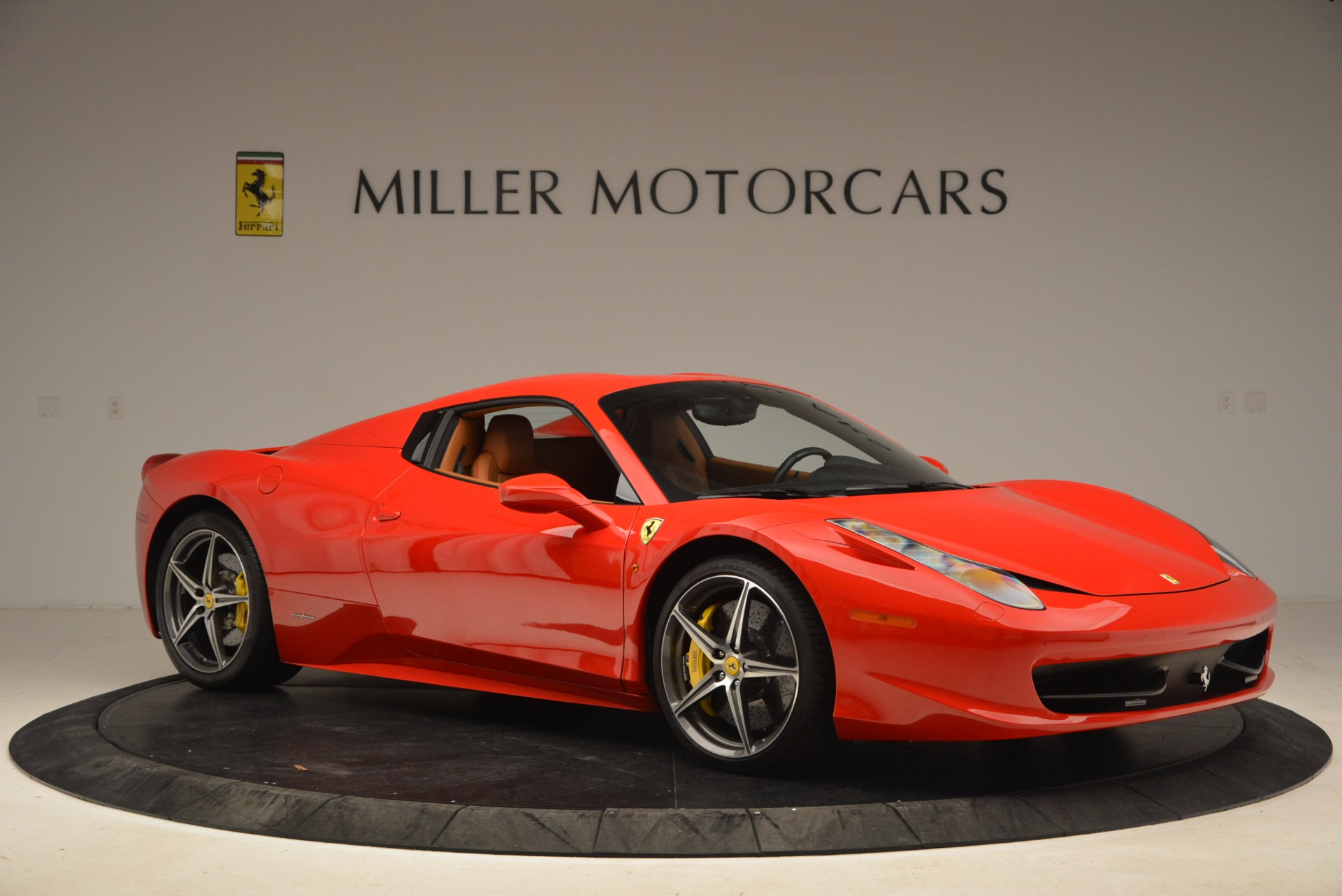 Used 2013 Ferrari 458 Spider  For Sale In Greenwich, CT 1784_p22