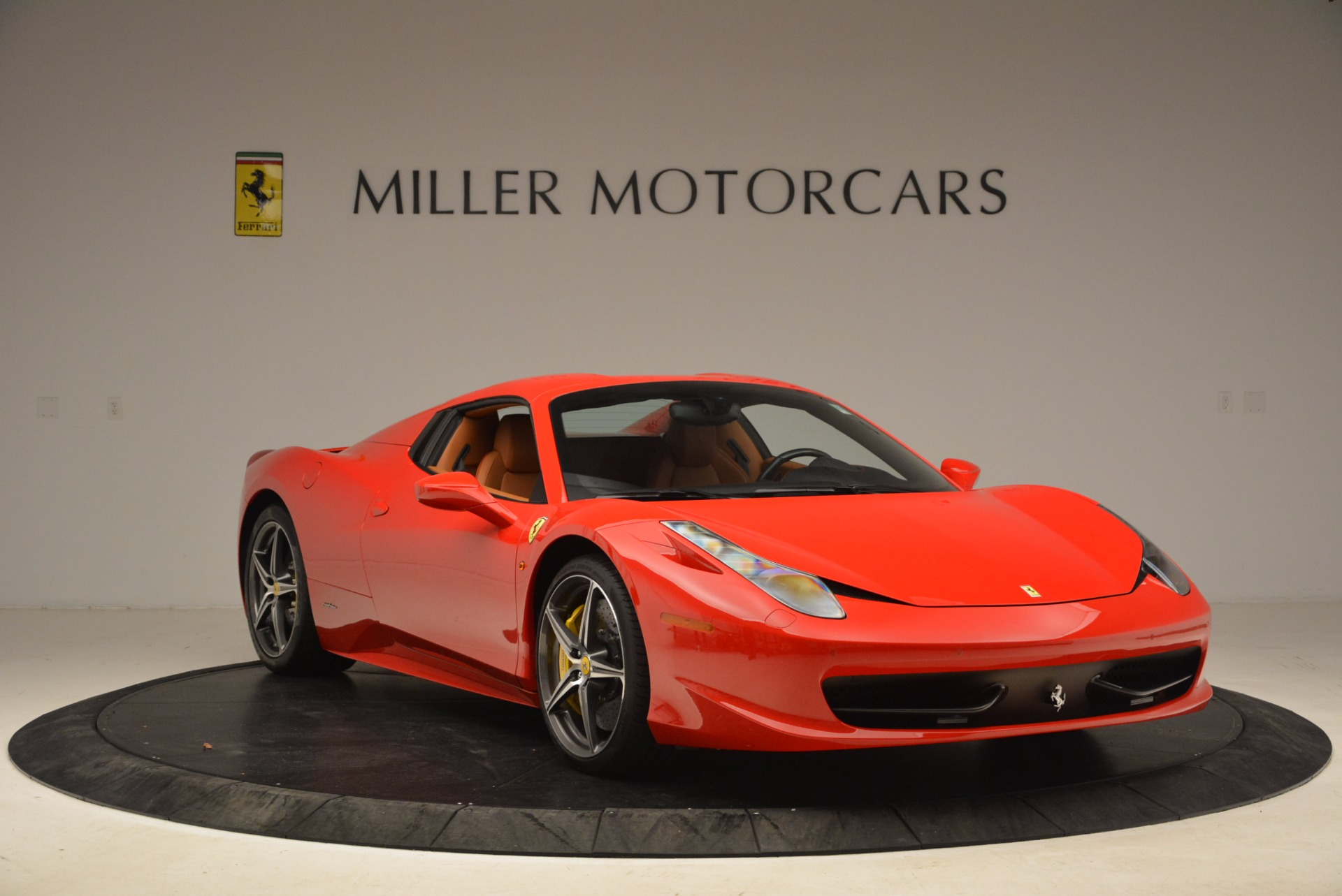 Used 2013 Ferrari 458 Spider  For Sale In Greenwich, CT 1784_p23