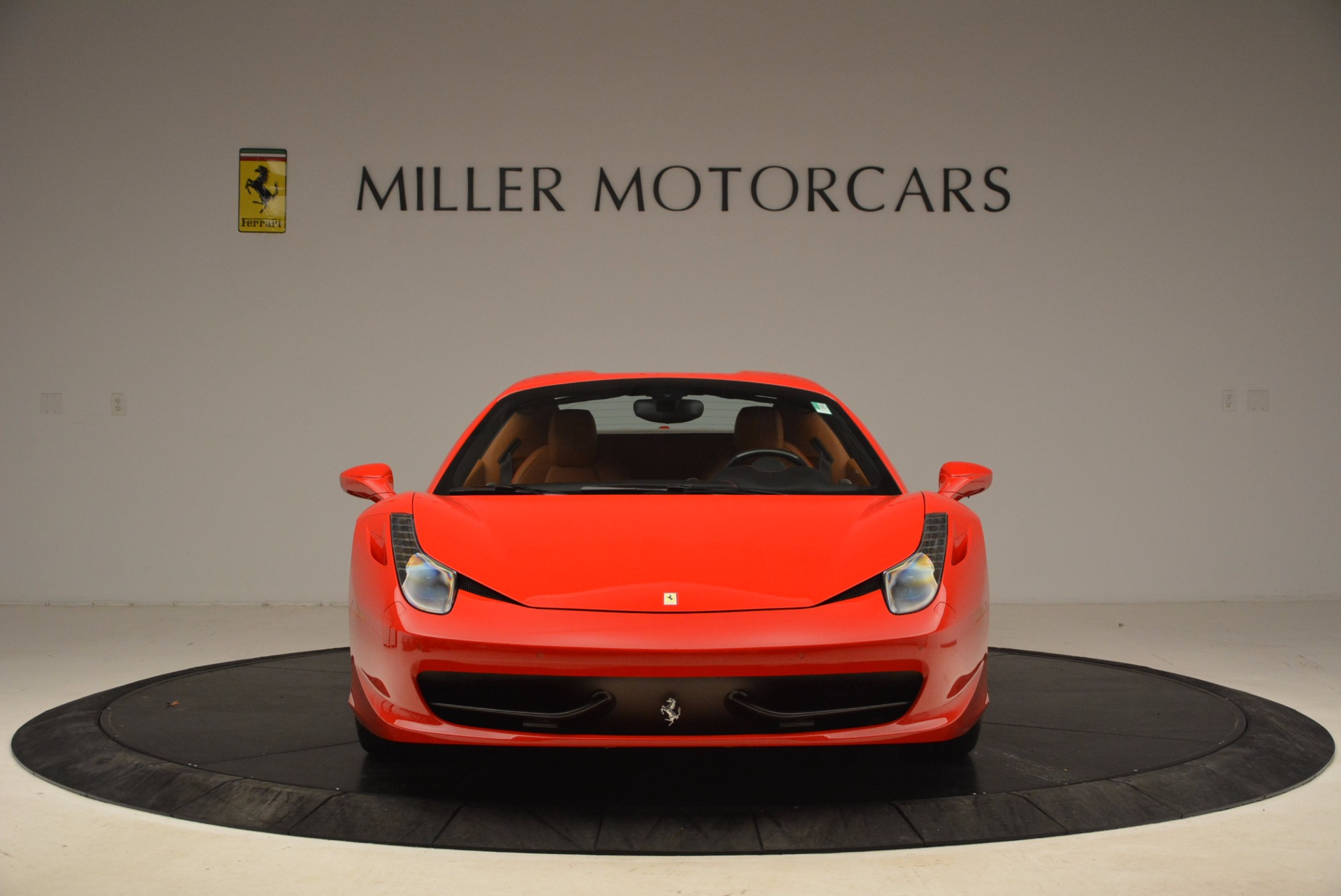 Used 2013 Ferrari 458 Spider  For Sale In Greenwich, CT 1784_p24