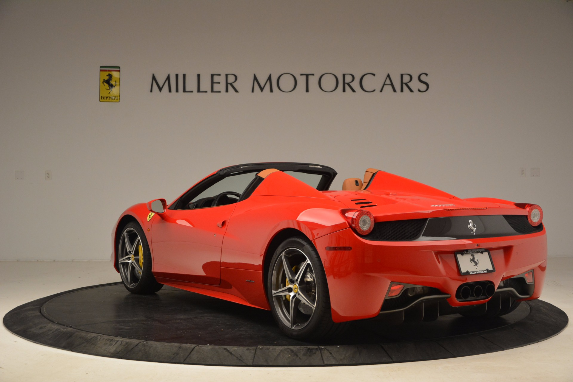 Used 2013 Ferrari 458 Spider  For Sale In Greenwich, CT 1784_p5