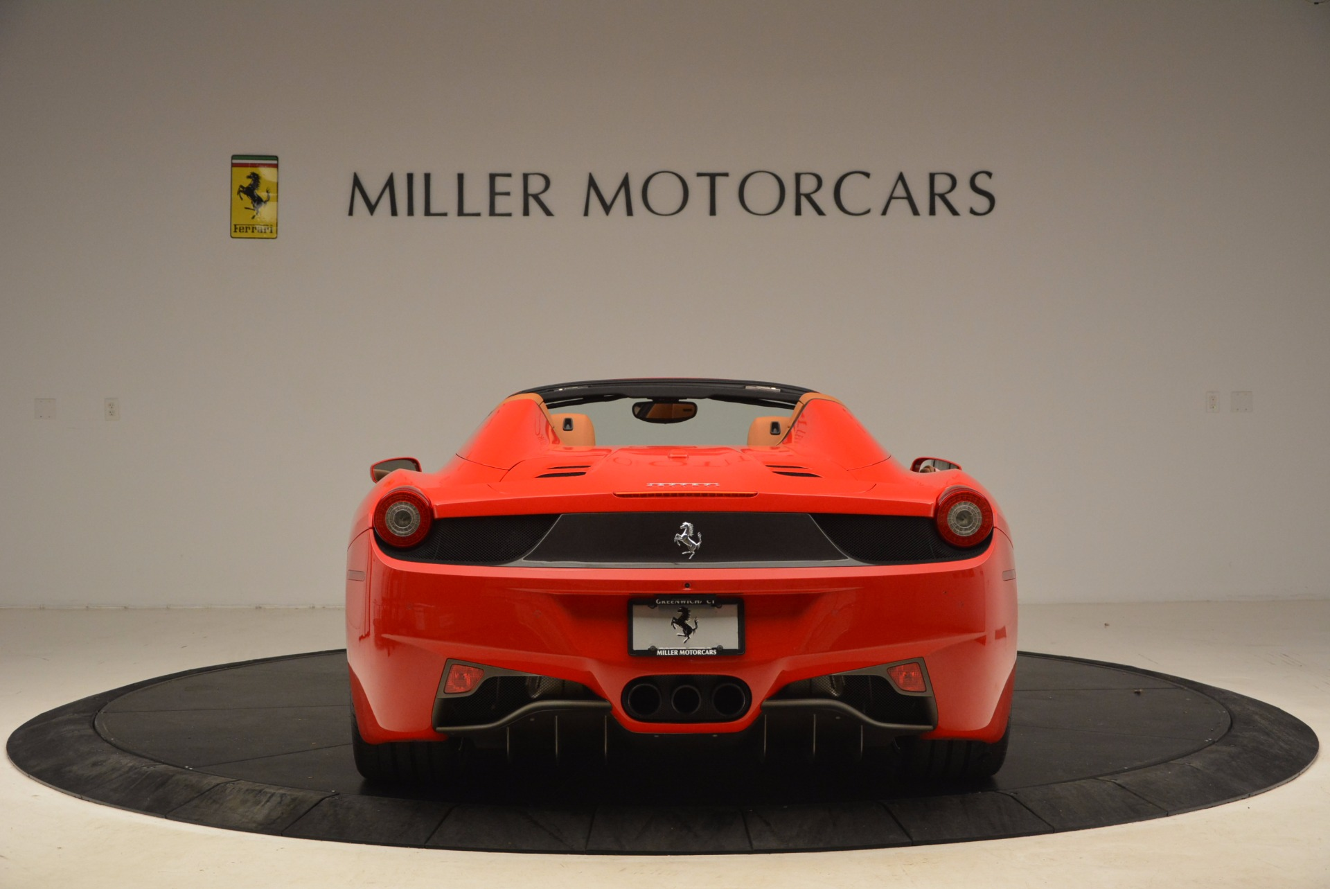 Used 2013 Ferrari 458 Spider  For Sale In Greenwich, CT 1784_p6